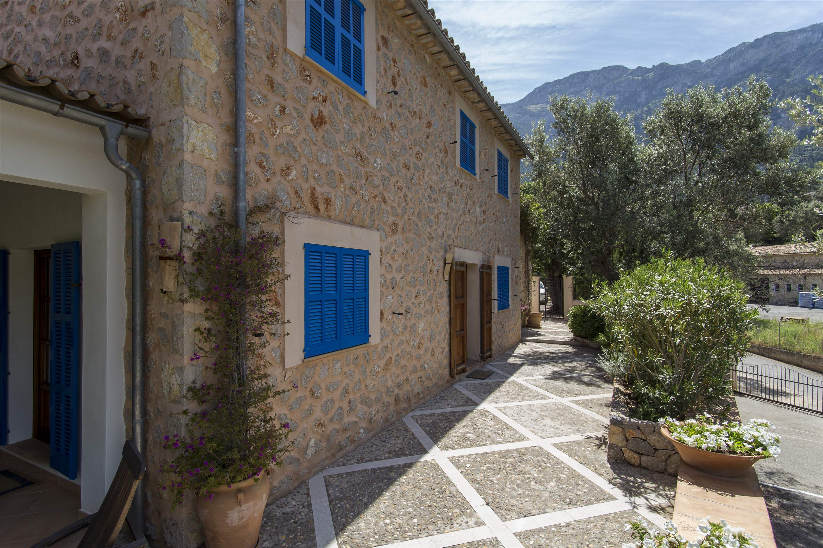 Can Monticel, 3 bedroom villa in Soller & Deia, Majorca Photo #6