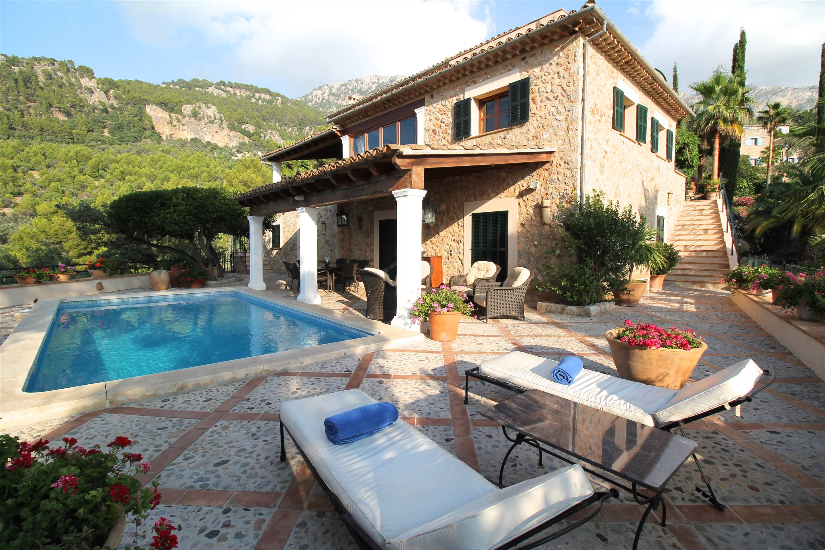 Can Winando, 4 Bedroom Rental, 4 bedroom villa in Soller & Deia, Majorca Photo #1