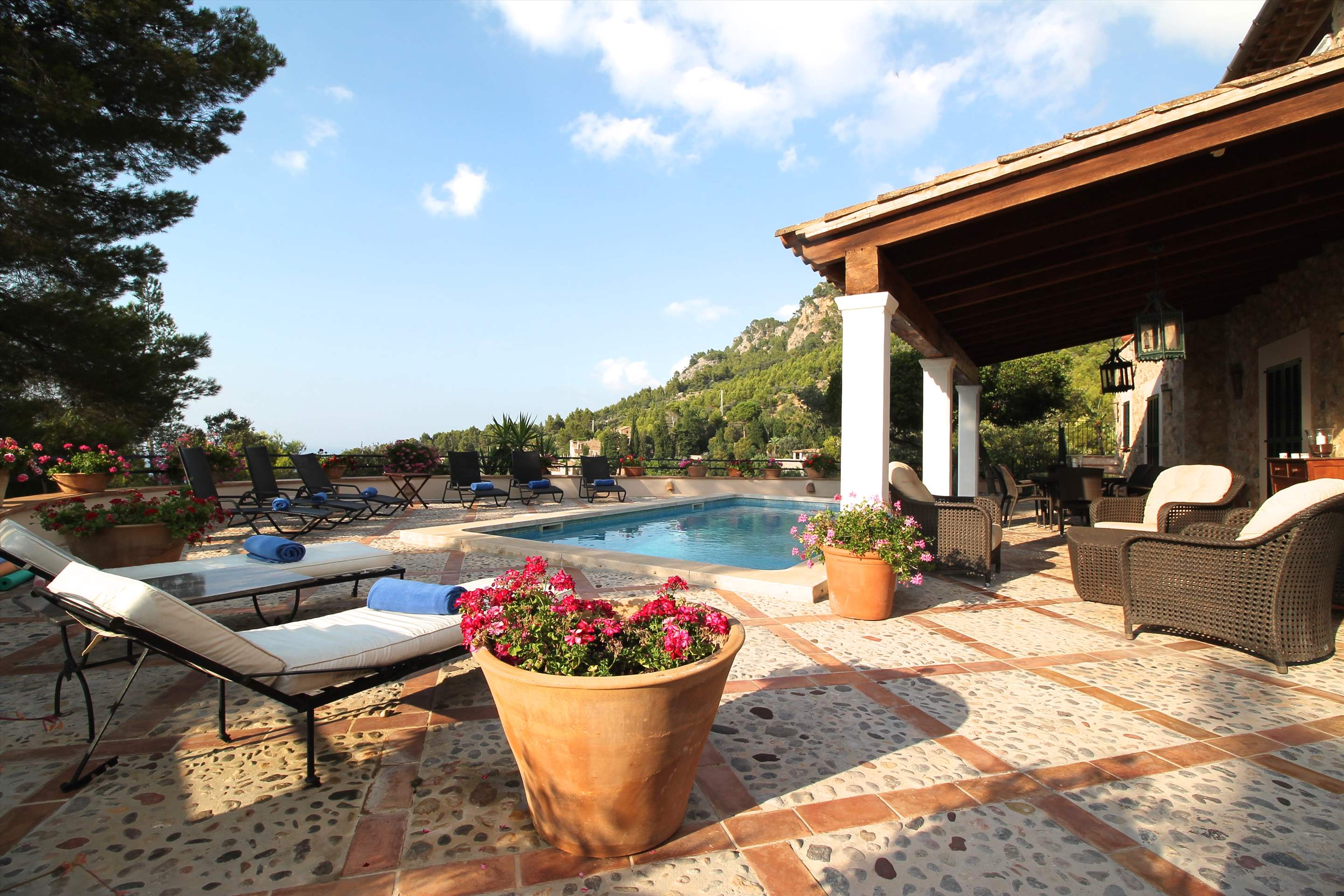 Can Winando, 5 Bedroom Rental, 5 bedroom villa in Soller & Deia, Majorca Photo #15