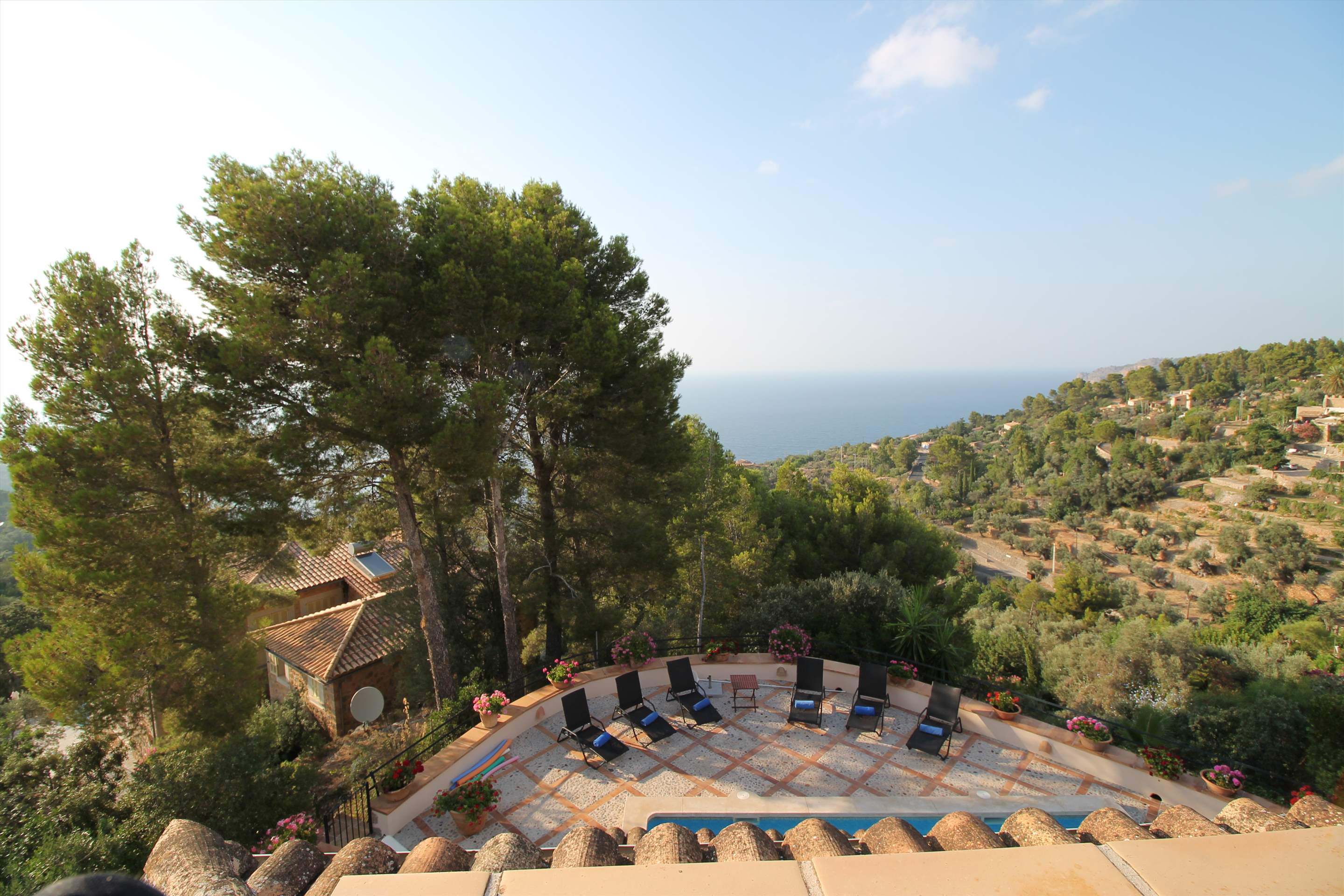 Can Winando, 5 Bedroom Rental, 5 bedroom villa in Soller & Deia, Majorca Photo #17