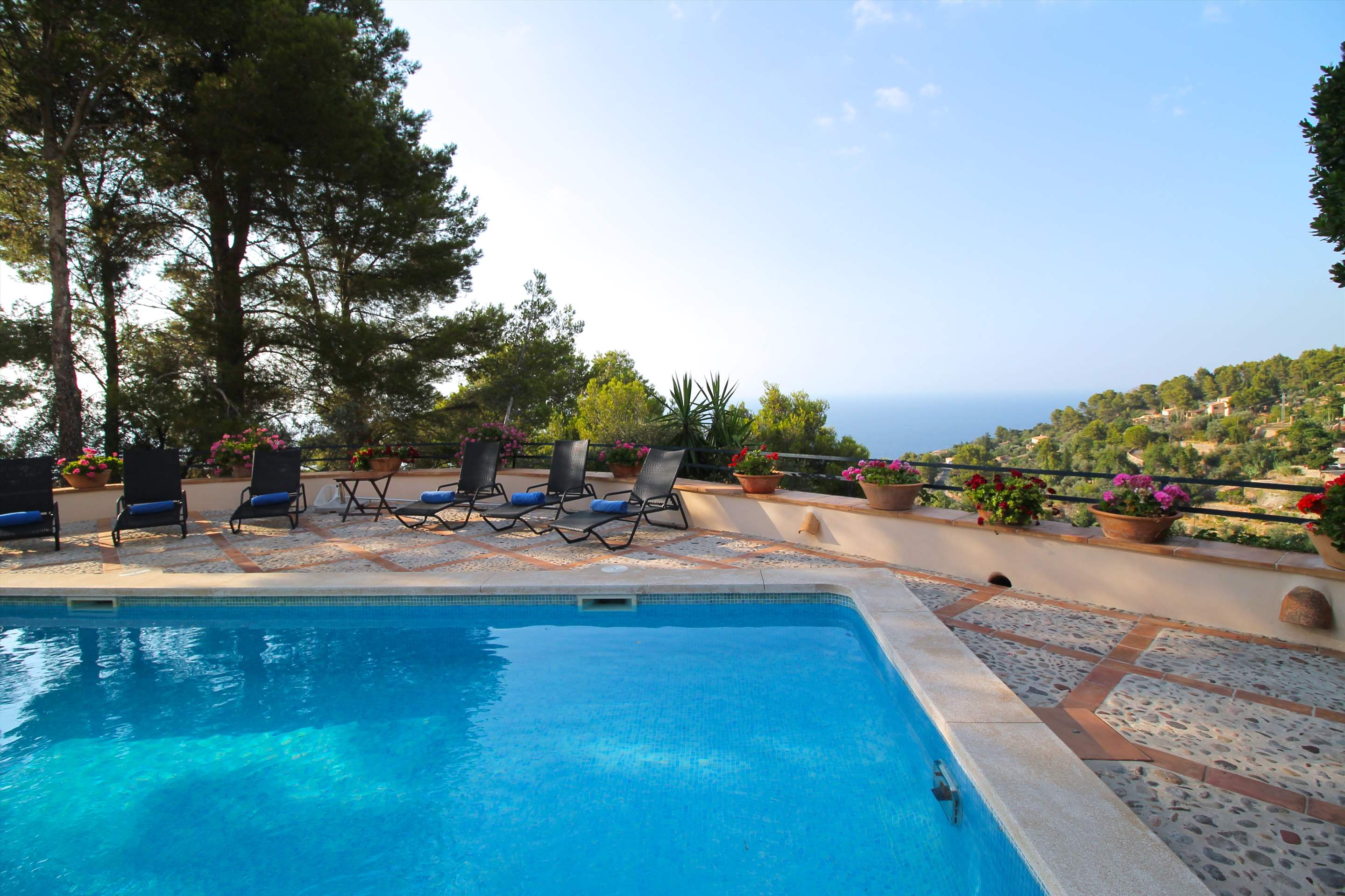 Can Winando, 5 Bedroom Rental, 5 bedroom villa in Soller & Deia, Majorca Photo #2