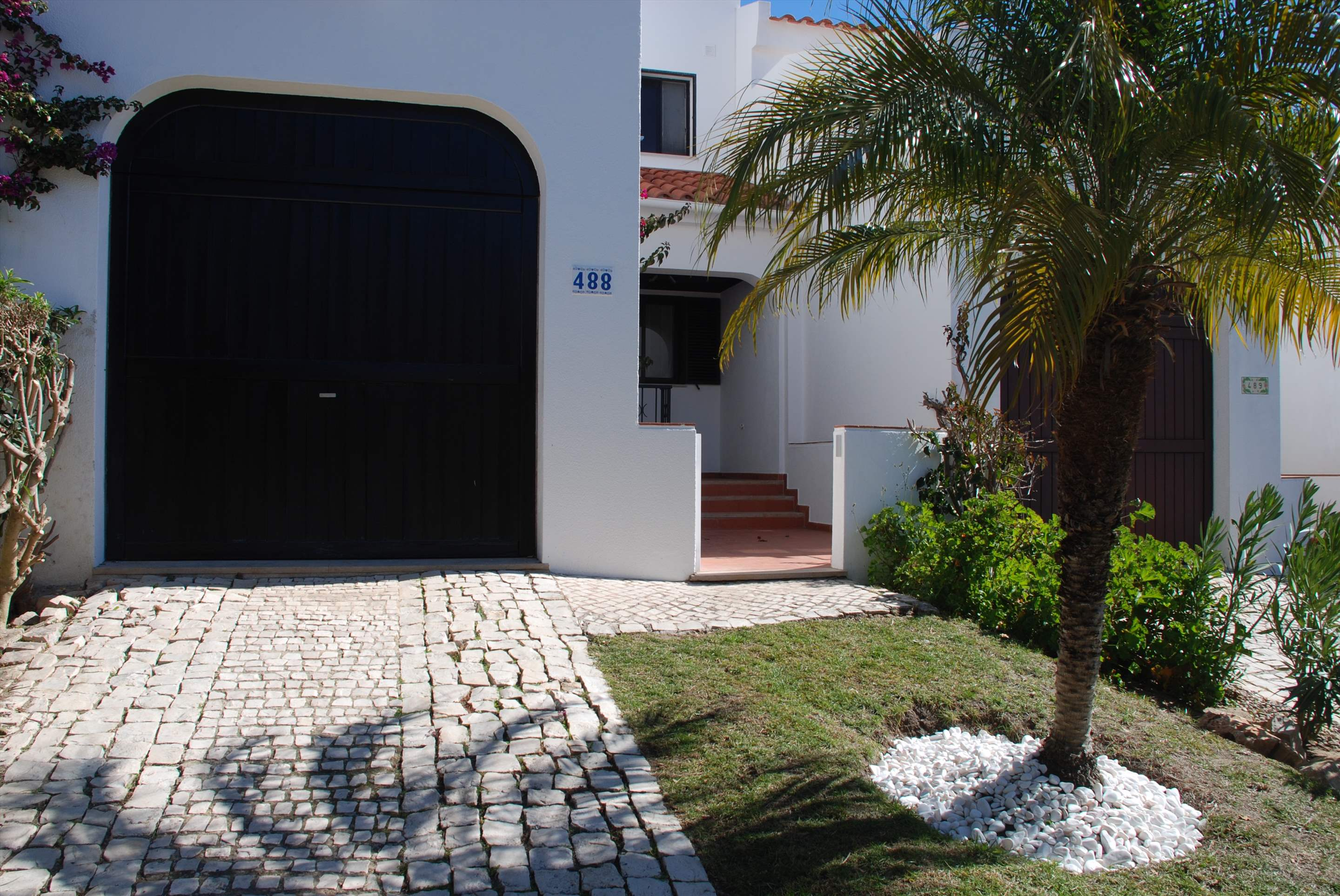 Quinta Amora, 3 bedroom villa in Quinta do Lago, Algarve Photo #12