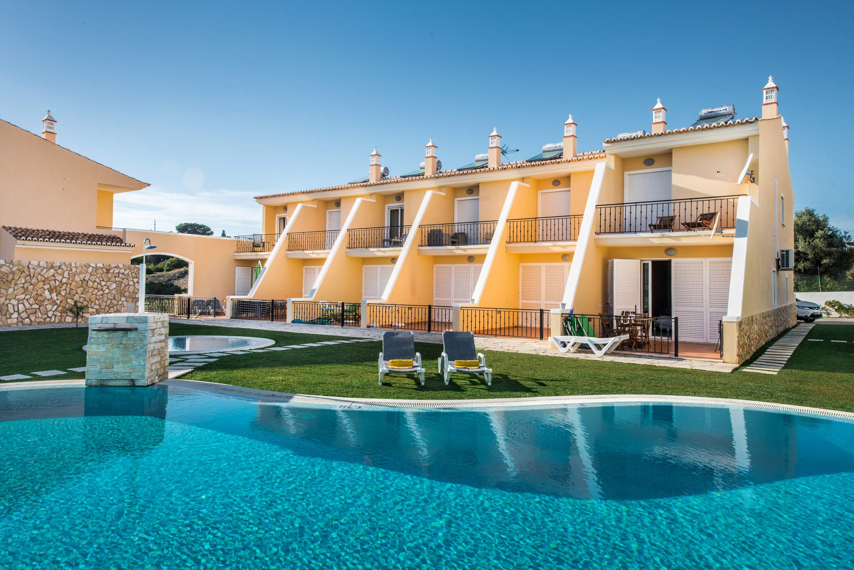 Townhouse Rosal 'D', 2 bedroom villa in Gale, Vale da Parra and Guia, Algarve