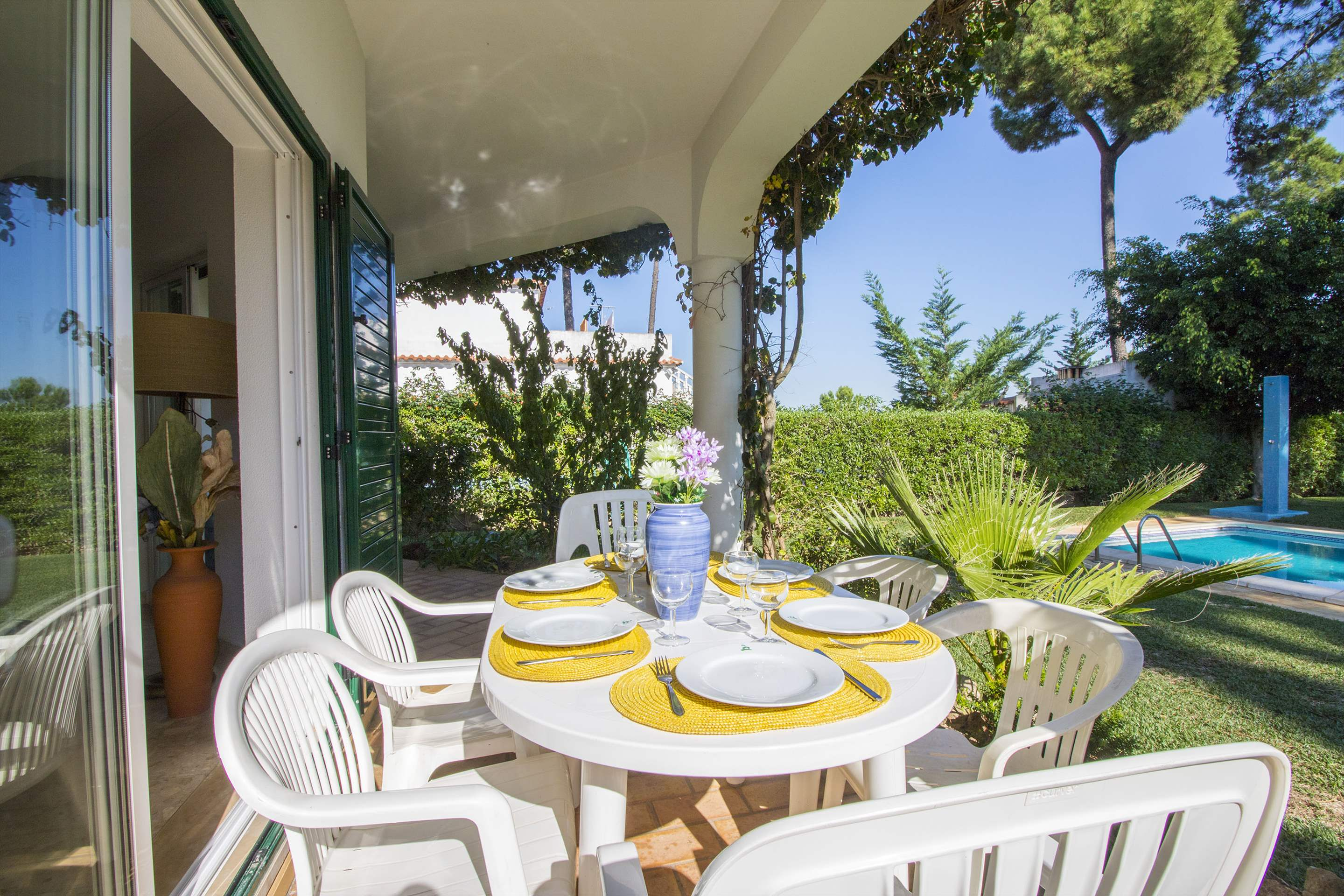 Villa Clara, 4 bedroom villa in Vilamoura Area, Algarve Photo #2