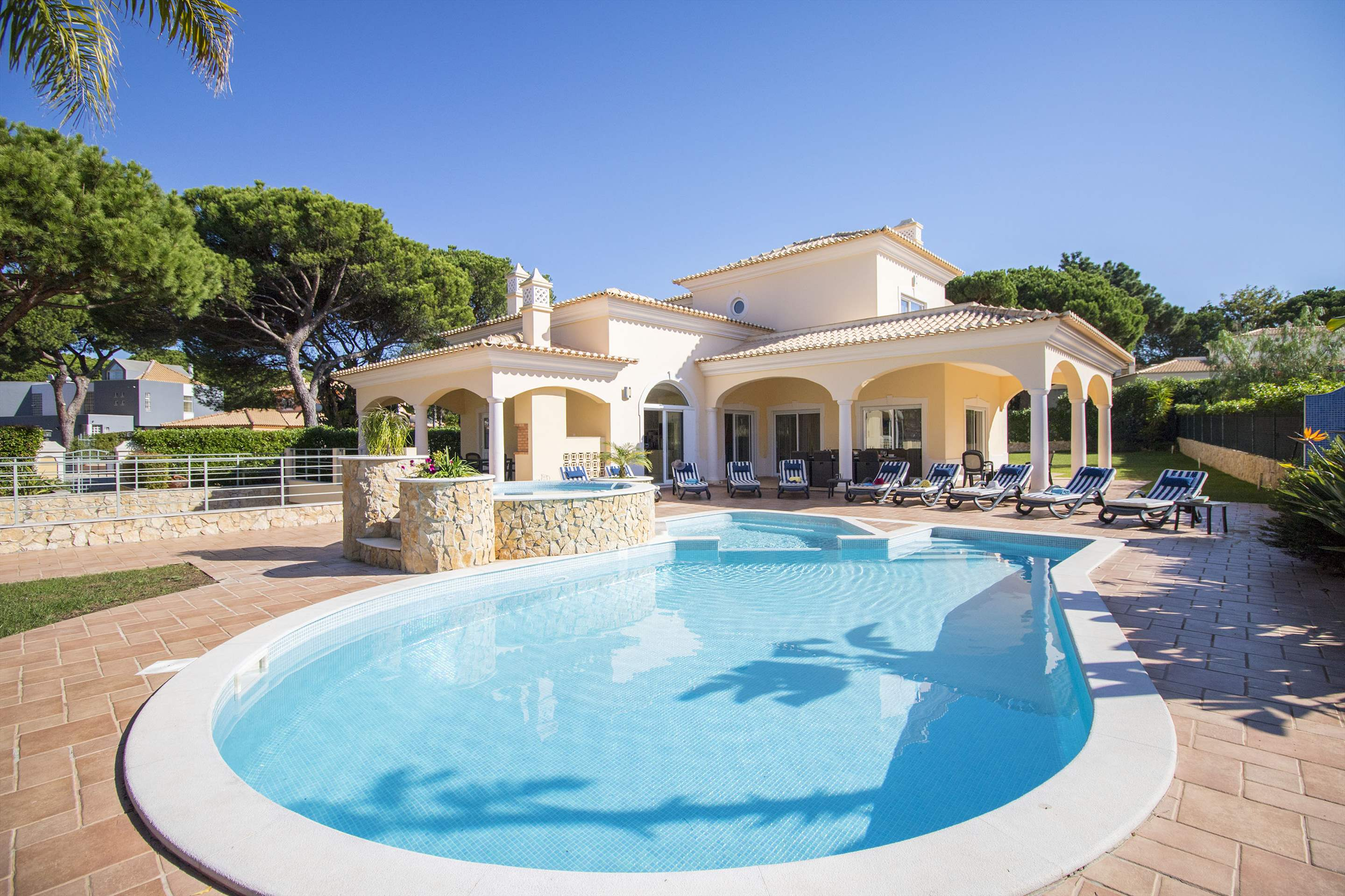 Villa Hera, 6 bedroom villa in Vilamoura Area, Algarve