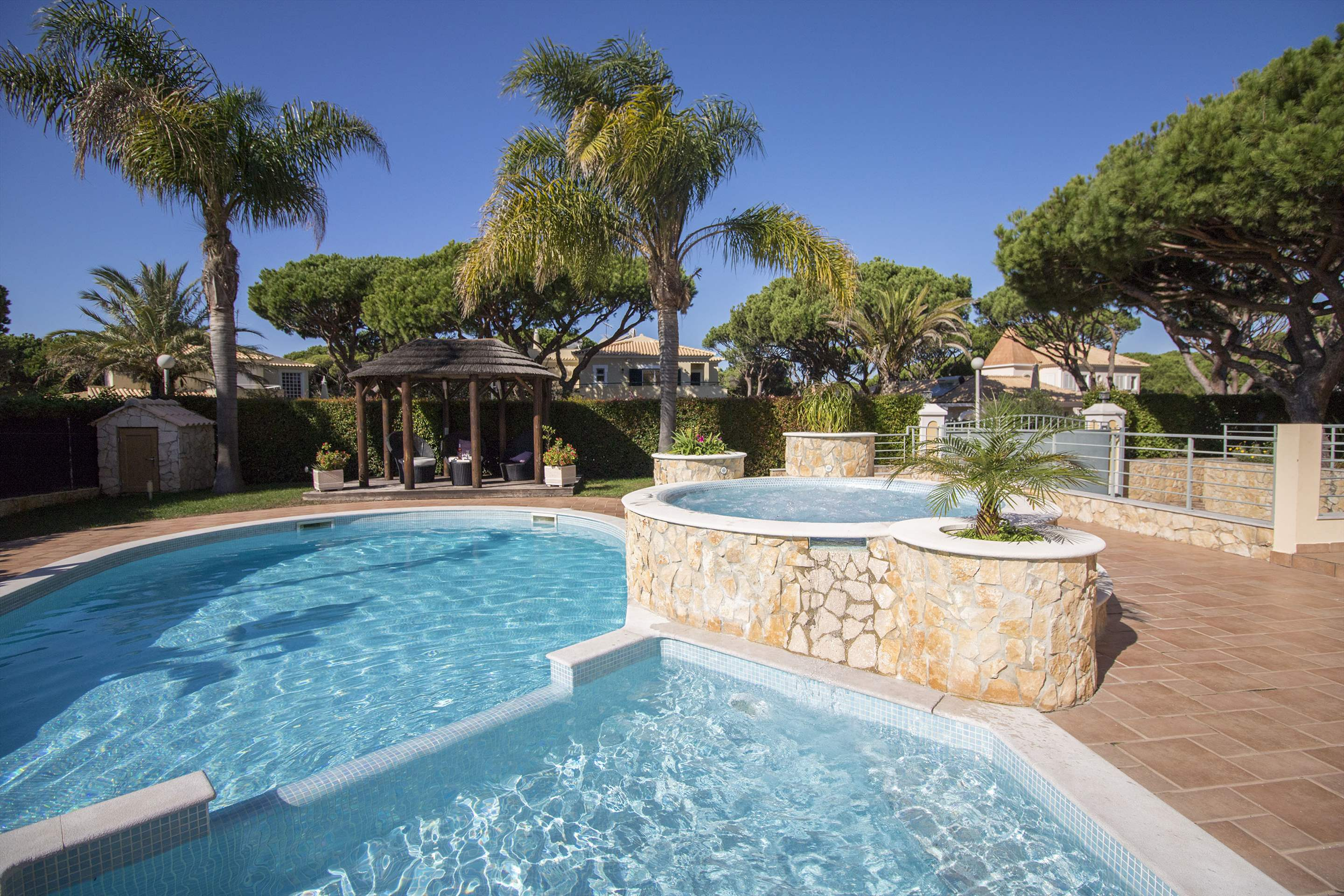 Villa Hera, 6 bedroom villa in Vilamoura Area, Algarve Photo #16