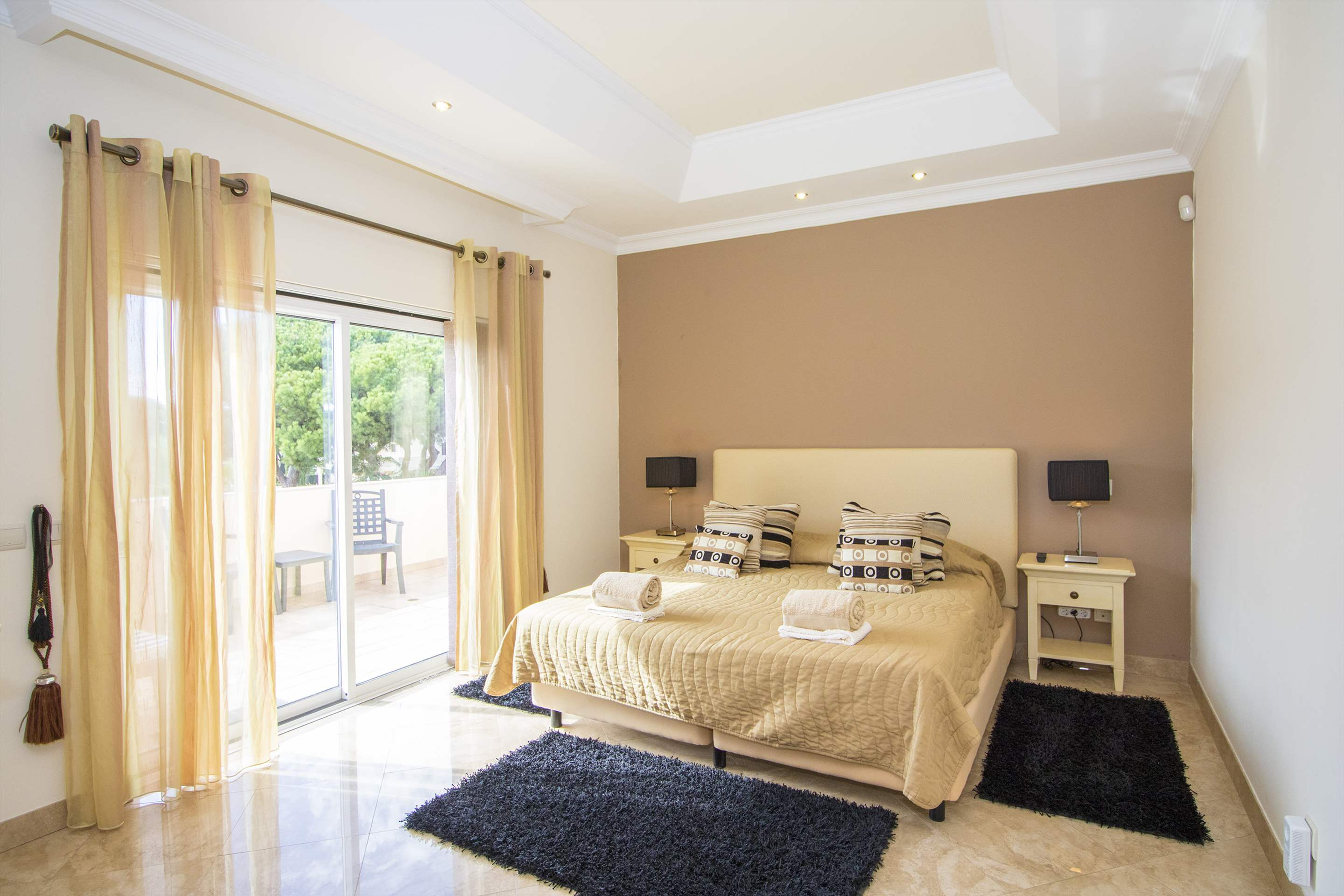 Villa Hera, 6 bedroom villa in Vilamoura Area, Algarve Photo #17