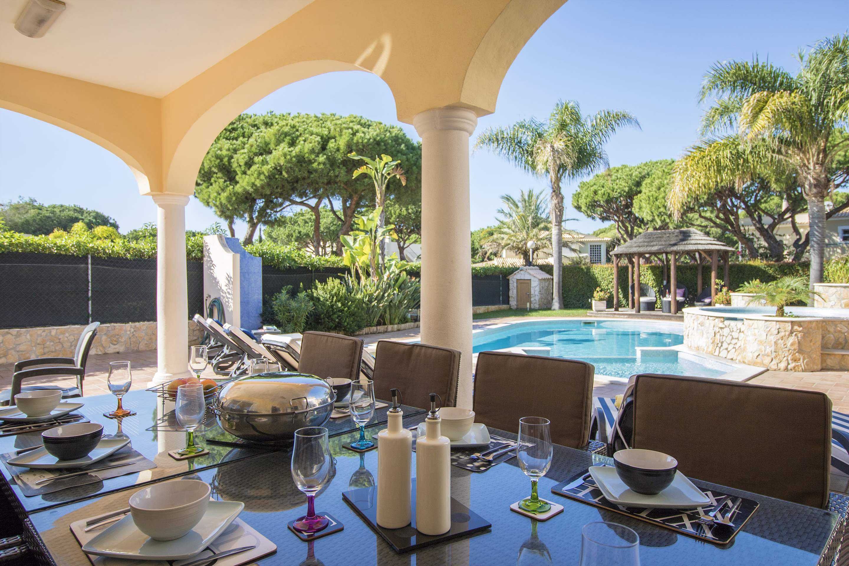 Villa Hera, 6 bedroom villa in Vilamoura Area, Algarve Photo #2