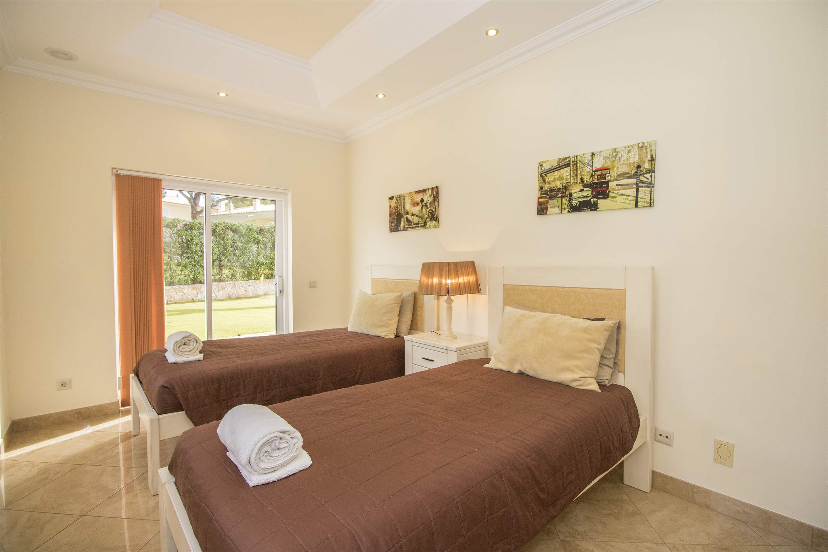 Villa Hera, 6 bedroom villa in Vilamoura Area, Algarve Photo #22