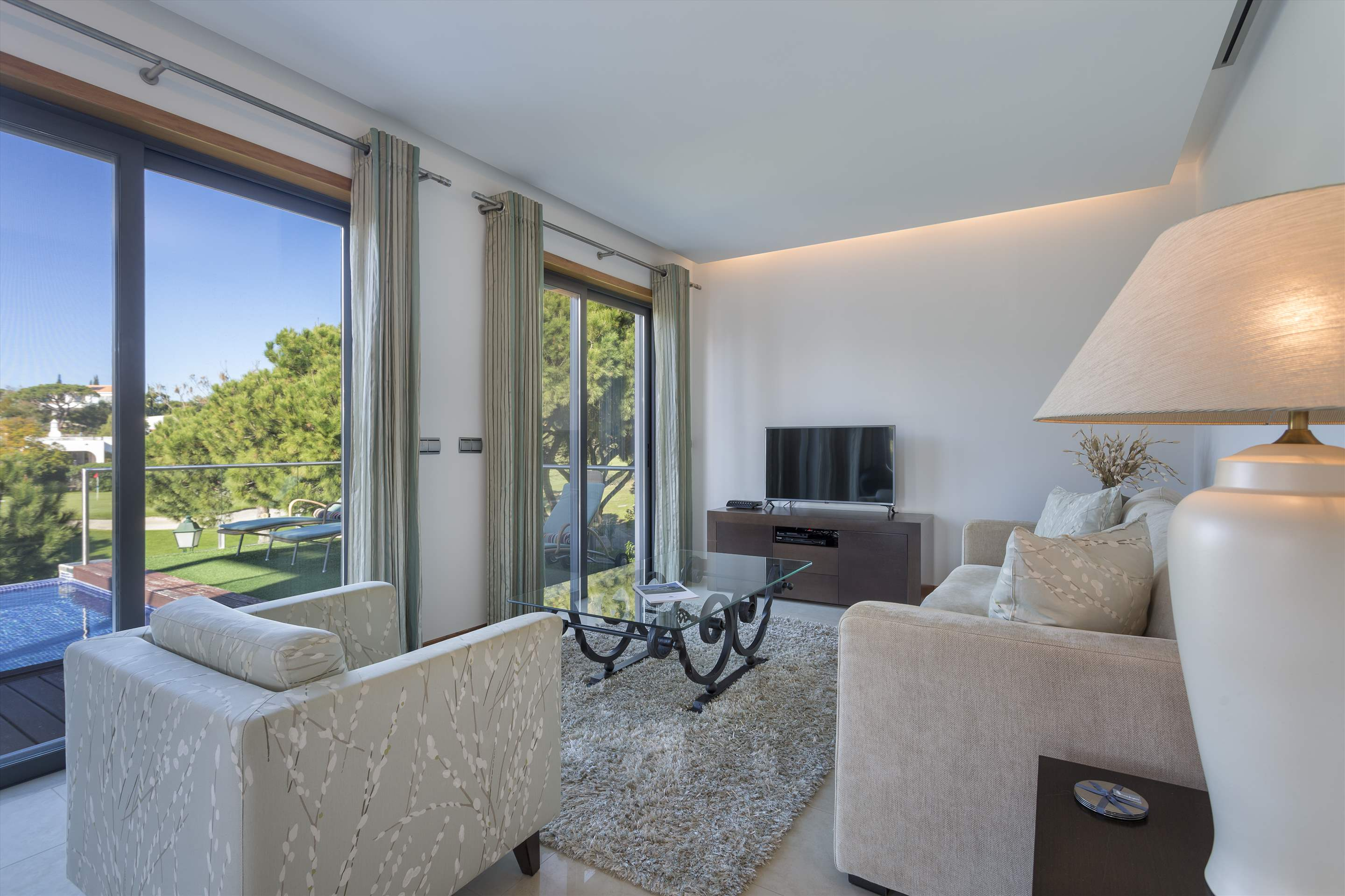 Apartment Alexandra, 2 bedroom apartment in Vale do Lobo, Algarve Photo #4