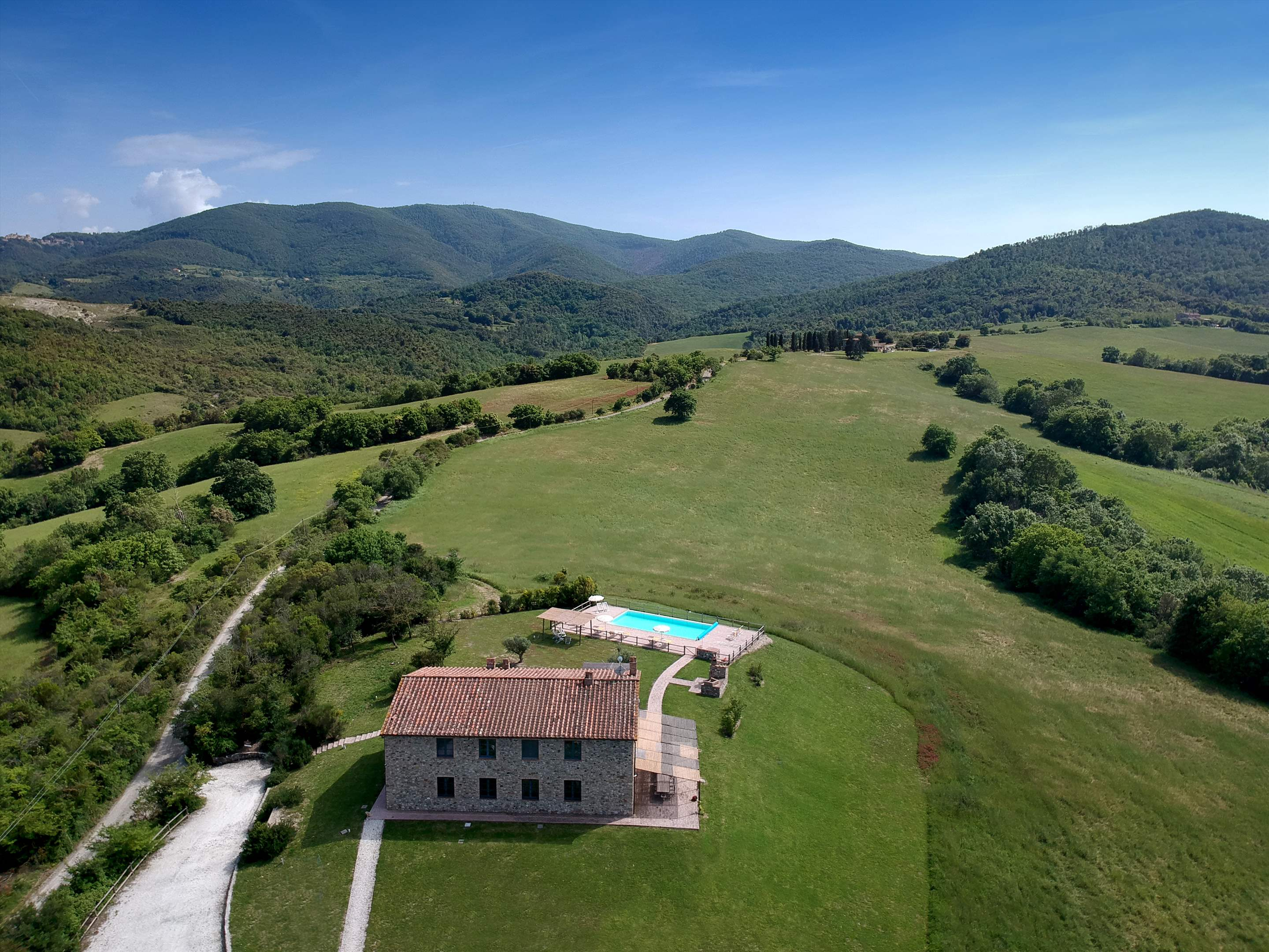Podere Di Collina, Villa & Apts, 8 bedroom villa in Tuscany Coast, Tuscany Photo #2
