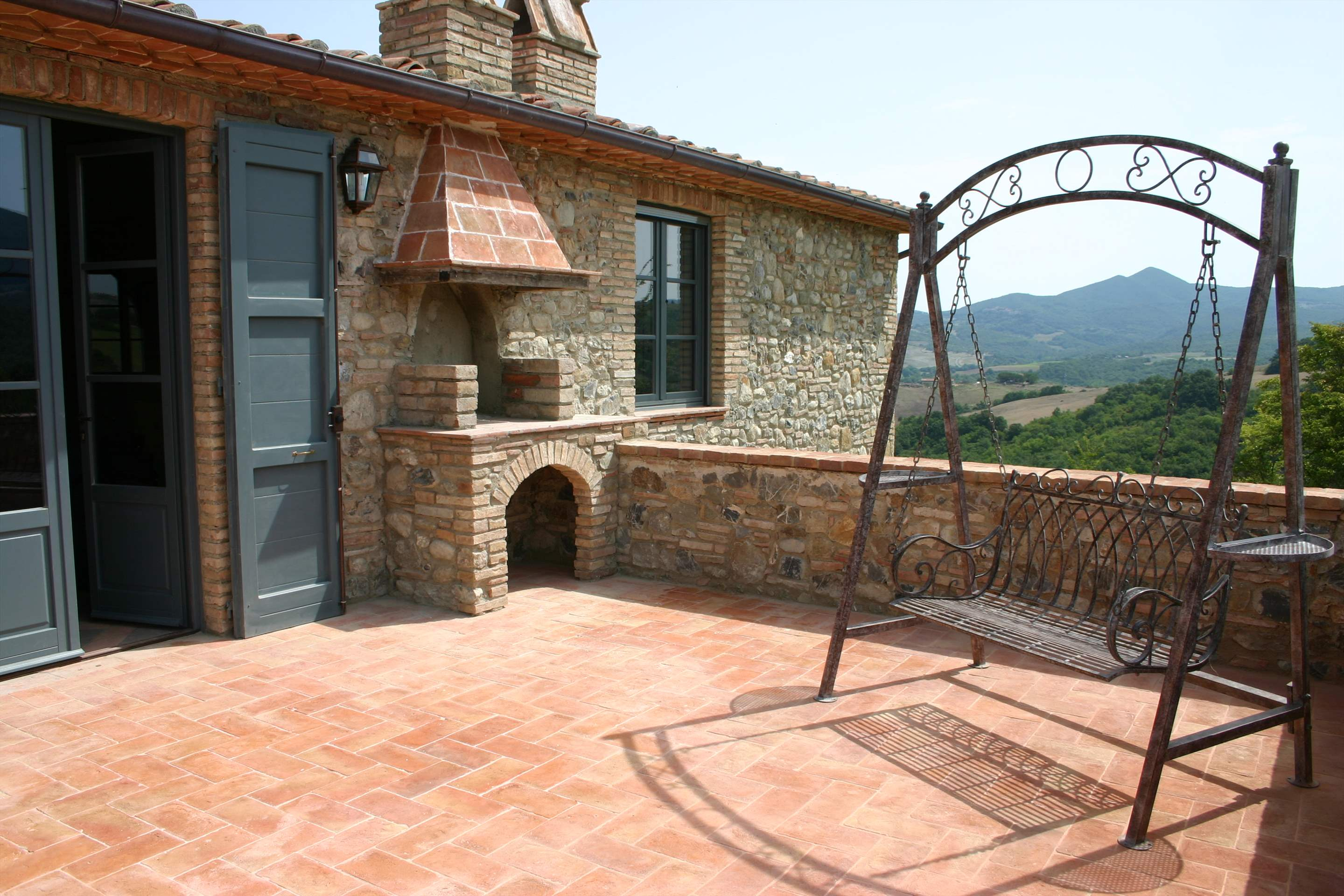 Podere Di Collina, First Floor, 4 bedroom villa in Tuscany Coast, Tuscany Photo #17