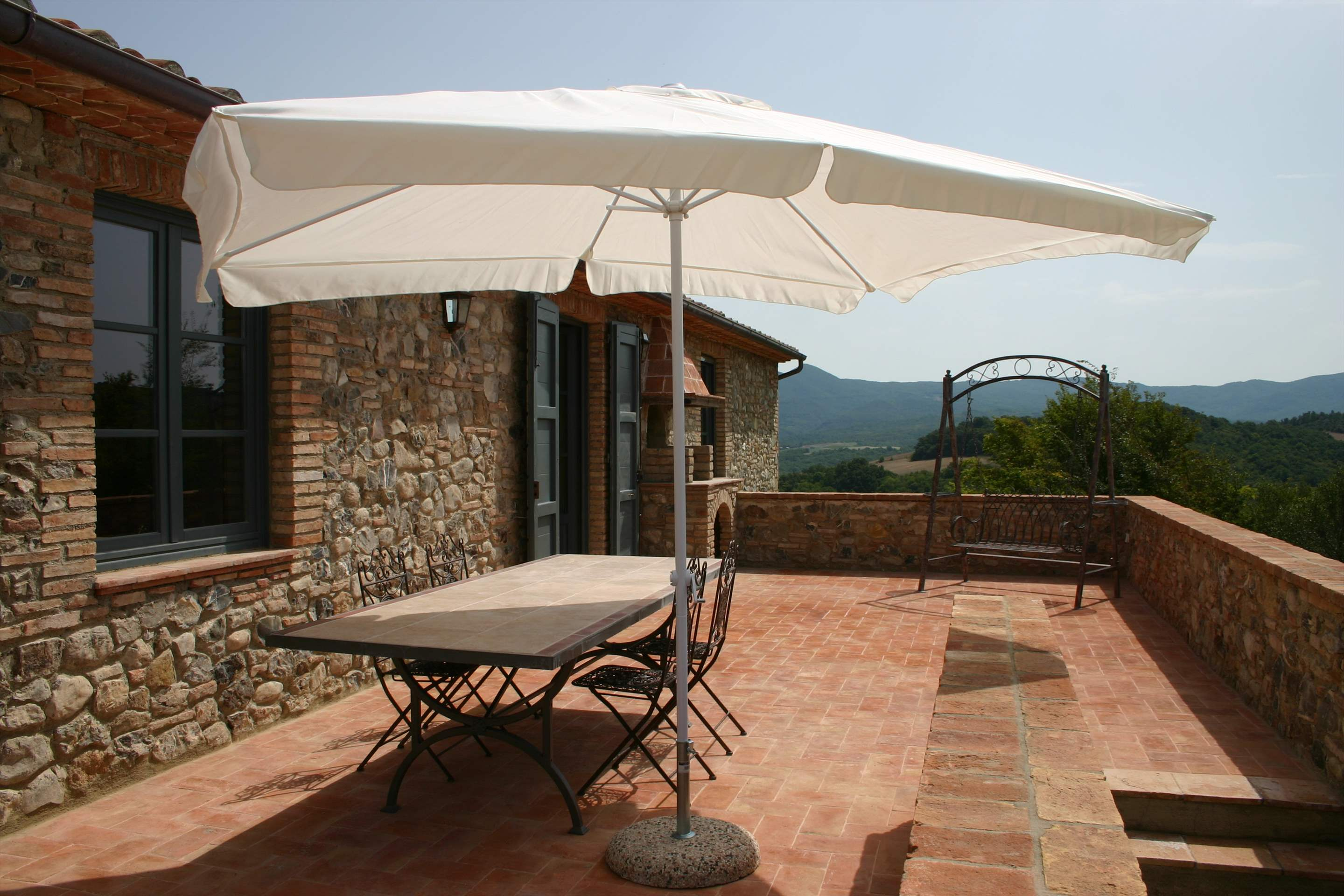 Podere Di Collina, First Floor, 4 bedroom villa in Tuscany Coast, Tuscany Photo #18