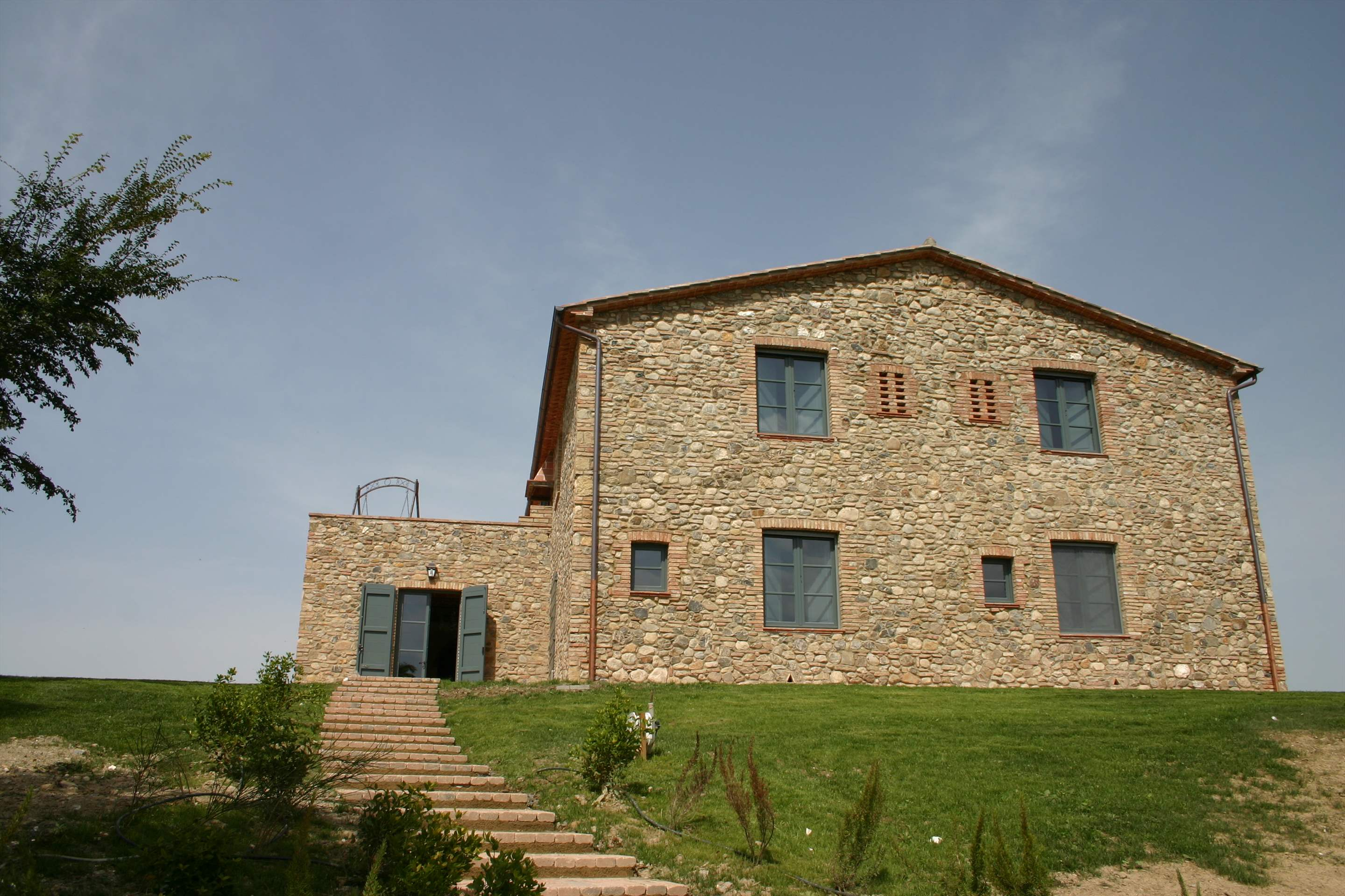 Podere Di Collina, First Floor, 4 bedroom villa in Tuscany Coast, Tuscany Photo #19