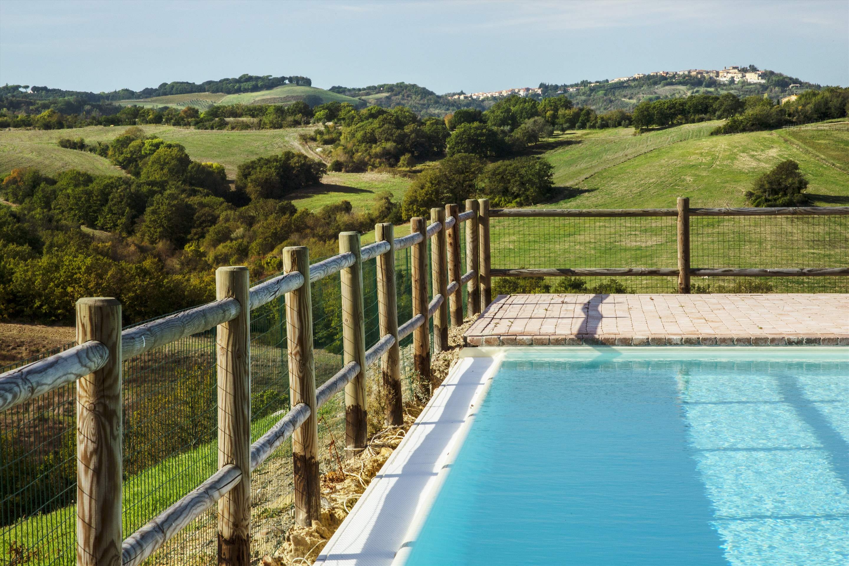 Podere Di Collina, First Floor, 4 bedroom villa in Tuscany Coast, Tuscany Photo #21