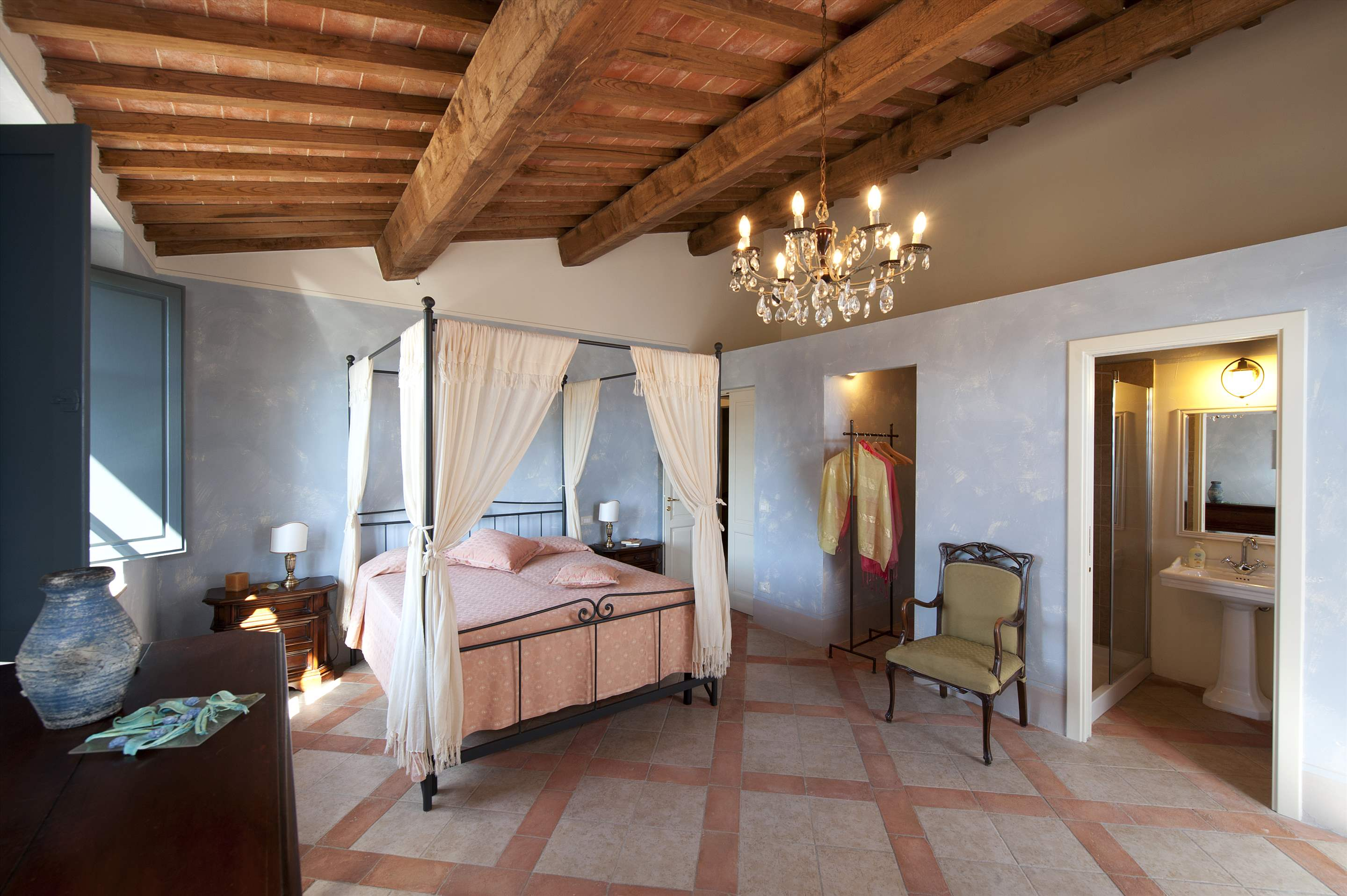 Podere Di Collina, First Floor, 4 bedroom villa in Tuscany Coast, Tuscany Photo #29