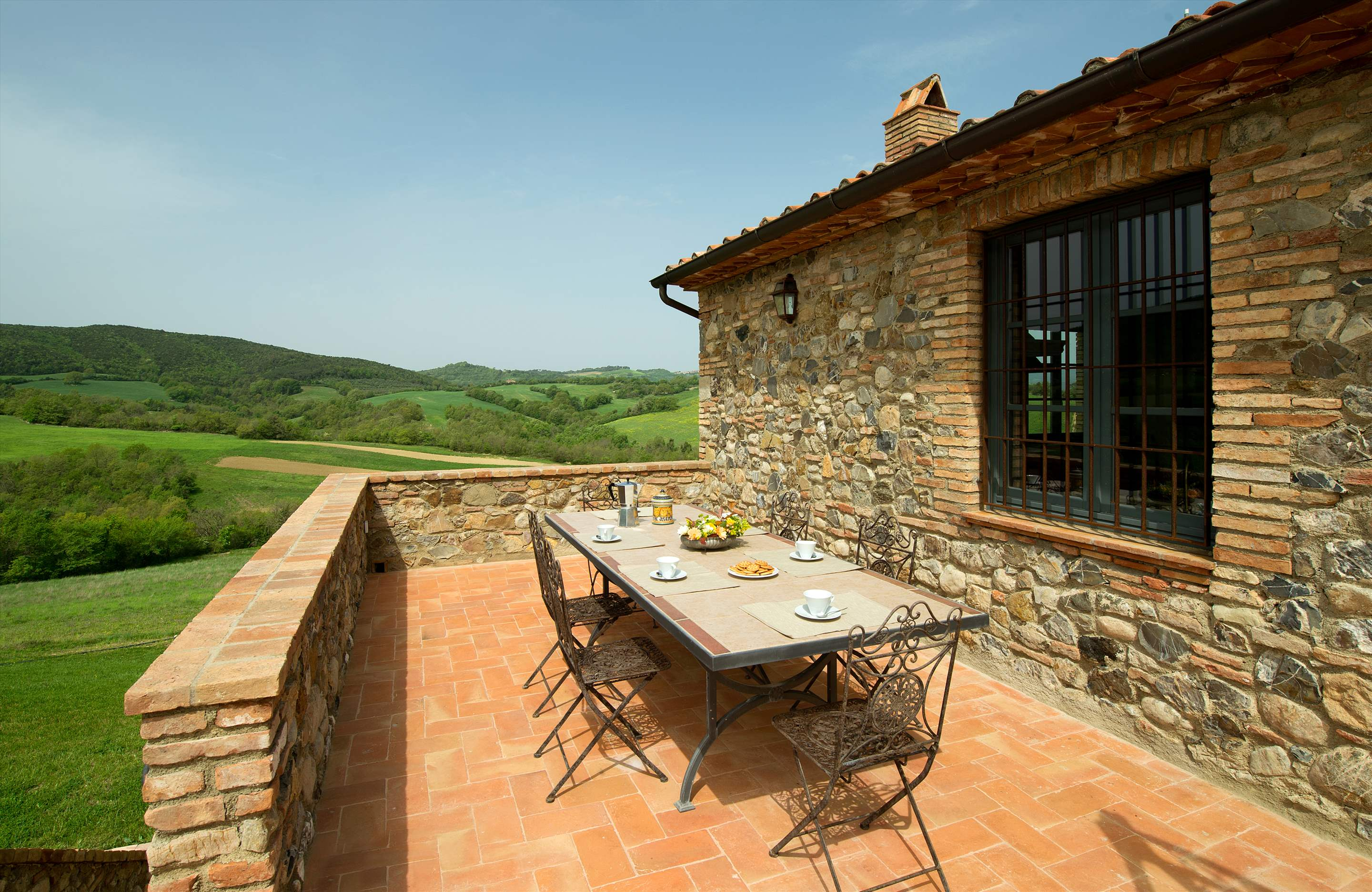 Podere Di Collina, First Floor, 4 bedroom villa in Tuscany Coast, Tuscany Photo #3
