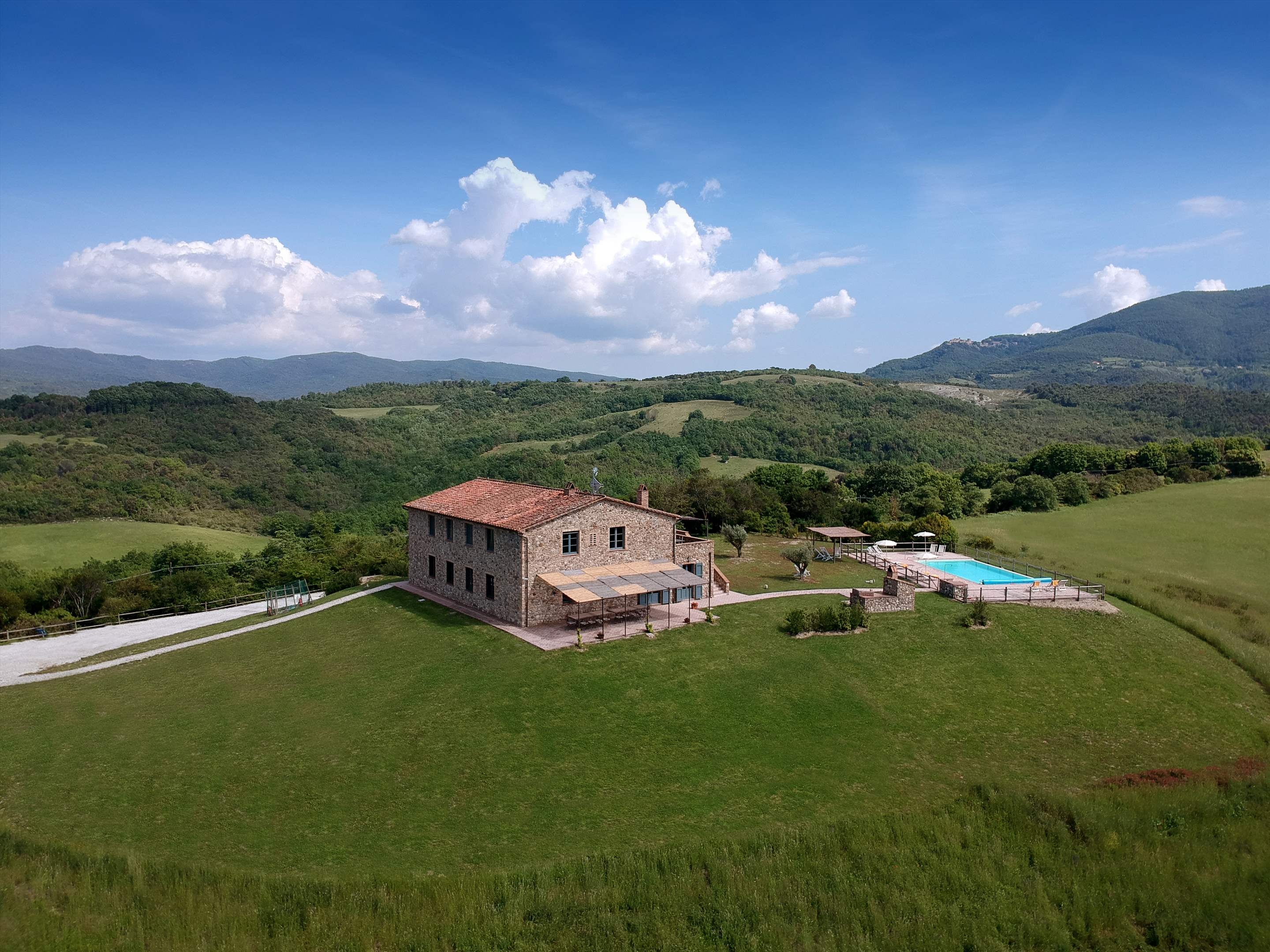 Podere Di Collina, First Floor, 4 bedroom villa in Tuscany Coast, Tuscany Photo #32