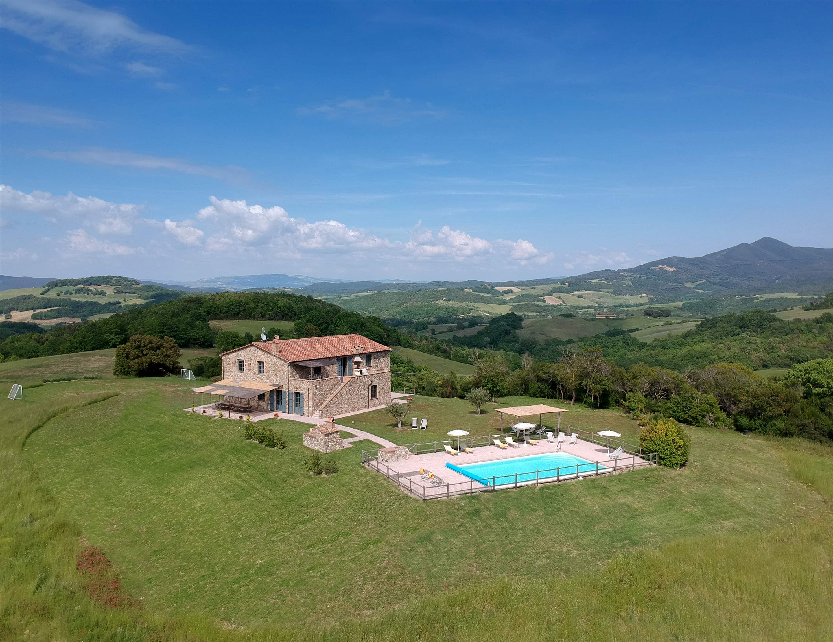 Podere Di Collina, First Floor, 4 bedroom villa in Tuscany Coast, Tuscany Photo #33