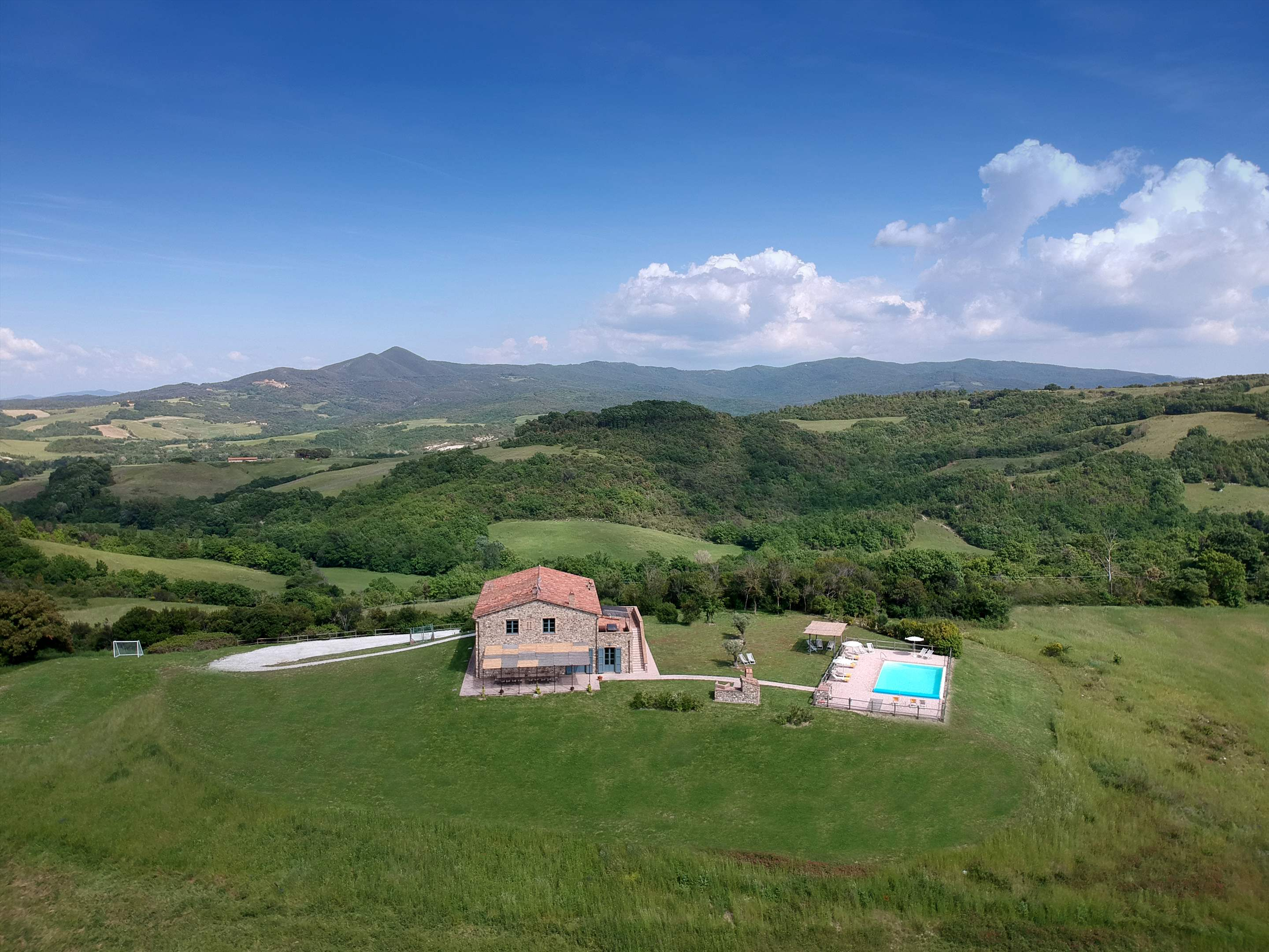 Podere Di Collina, First Floor, 4 bedroom villa in Tuscany Coast, Tuscany Photo #34