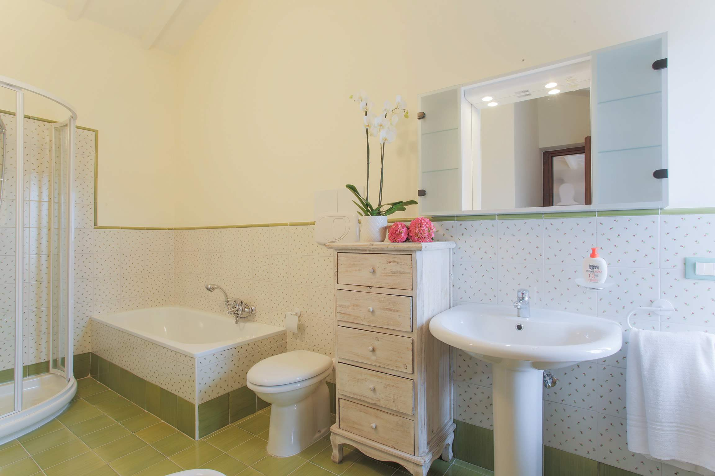 Casa Di Dante, 3 bedroom villa in North Tuscany - Pisa & Lucca Area, Tuscany Photo #21