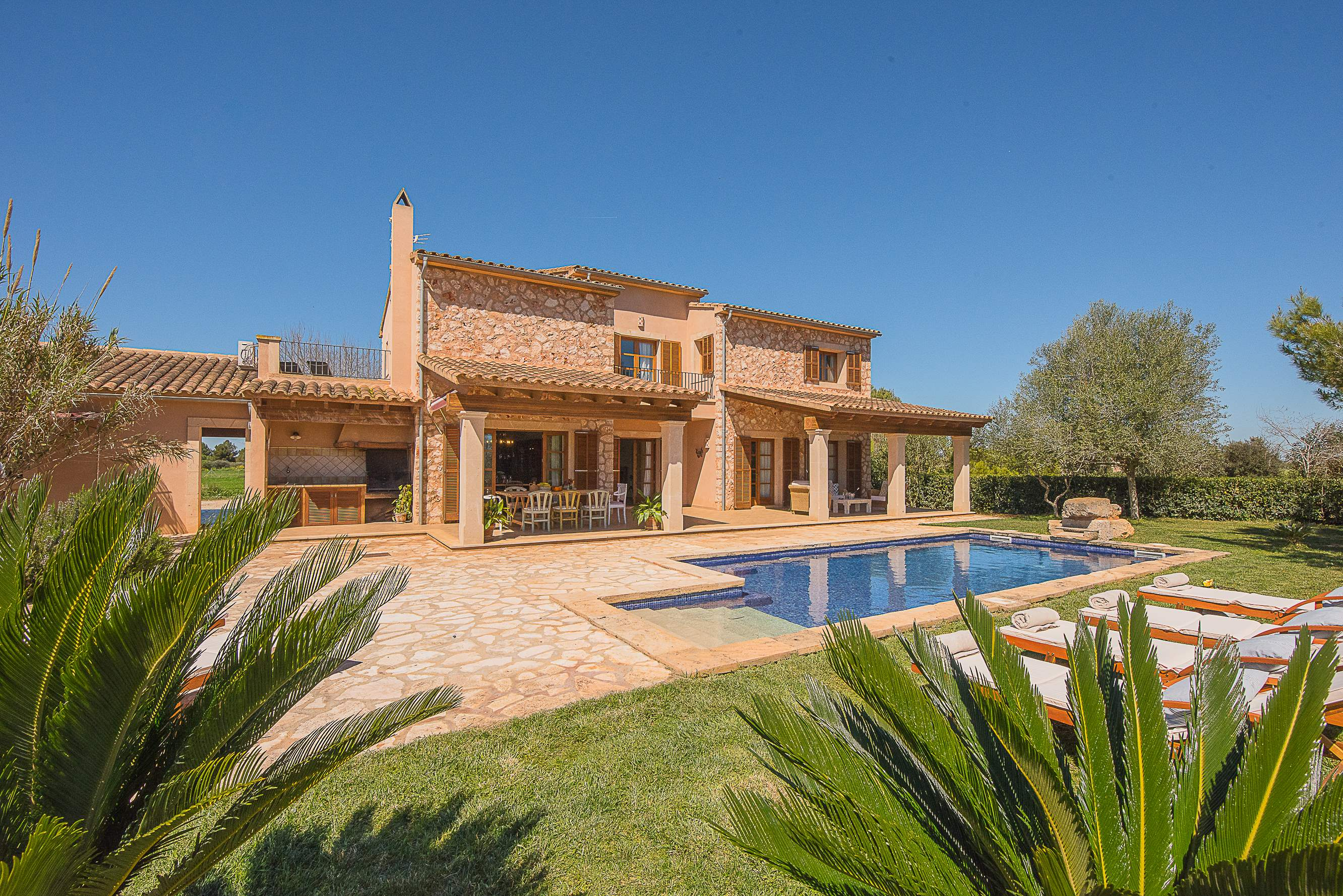 Villa Ses Quaranta, 4 bedroom villa in Campos & Sa Rapita , Majorca Photo #1