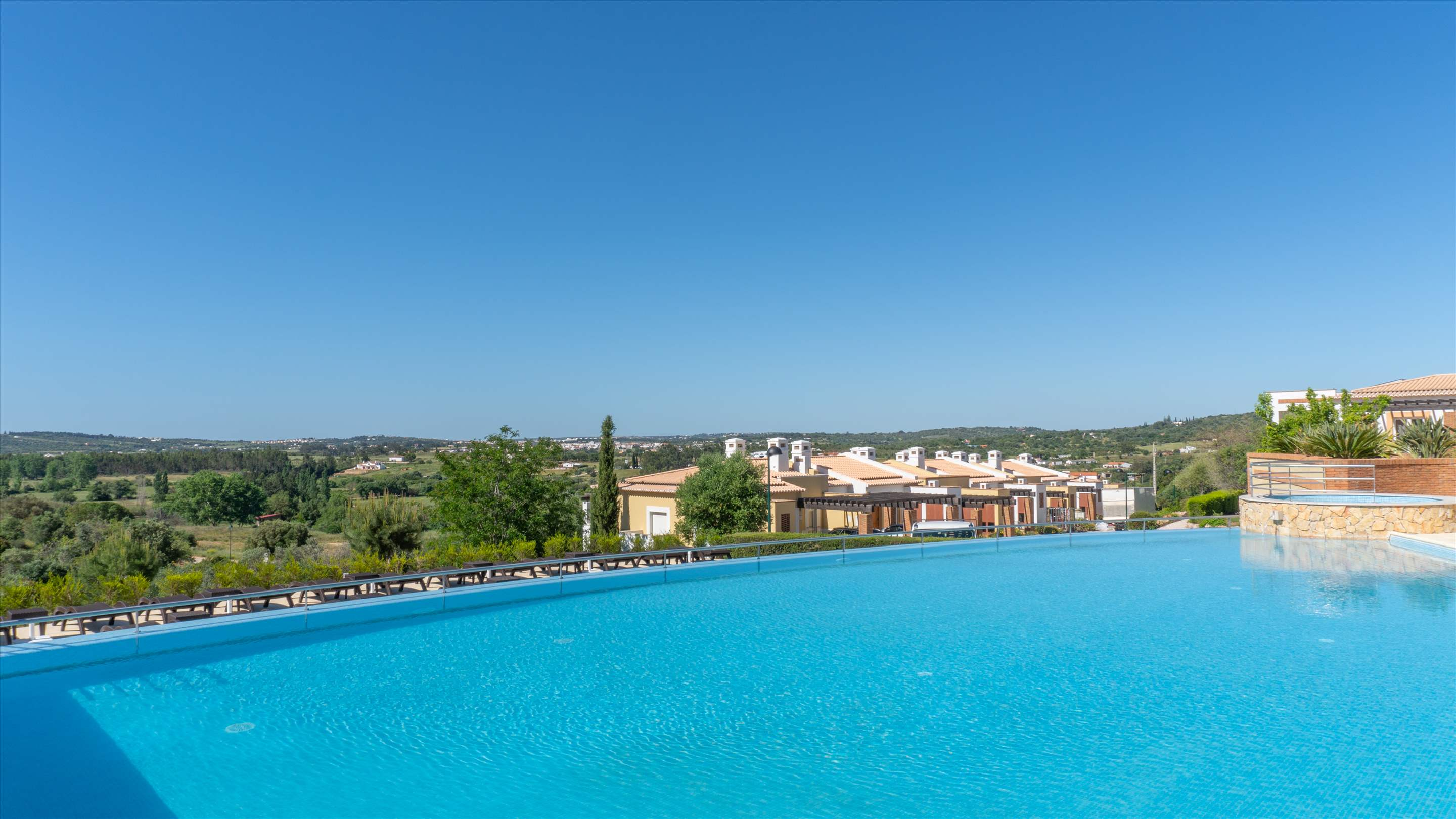 Vale da Ribeira Residences, Three Bedroom Superior Villa, Self Catering Basis, 2 bedroom apartment in Lagos and Praia da Luz, Algarve Photo #2
