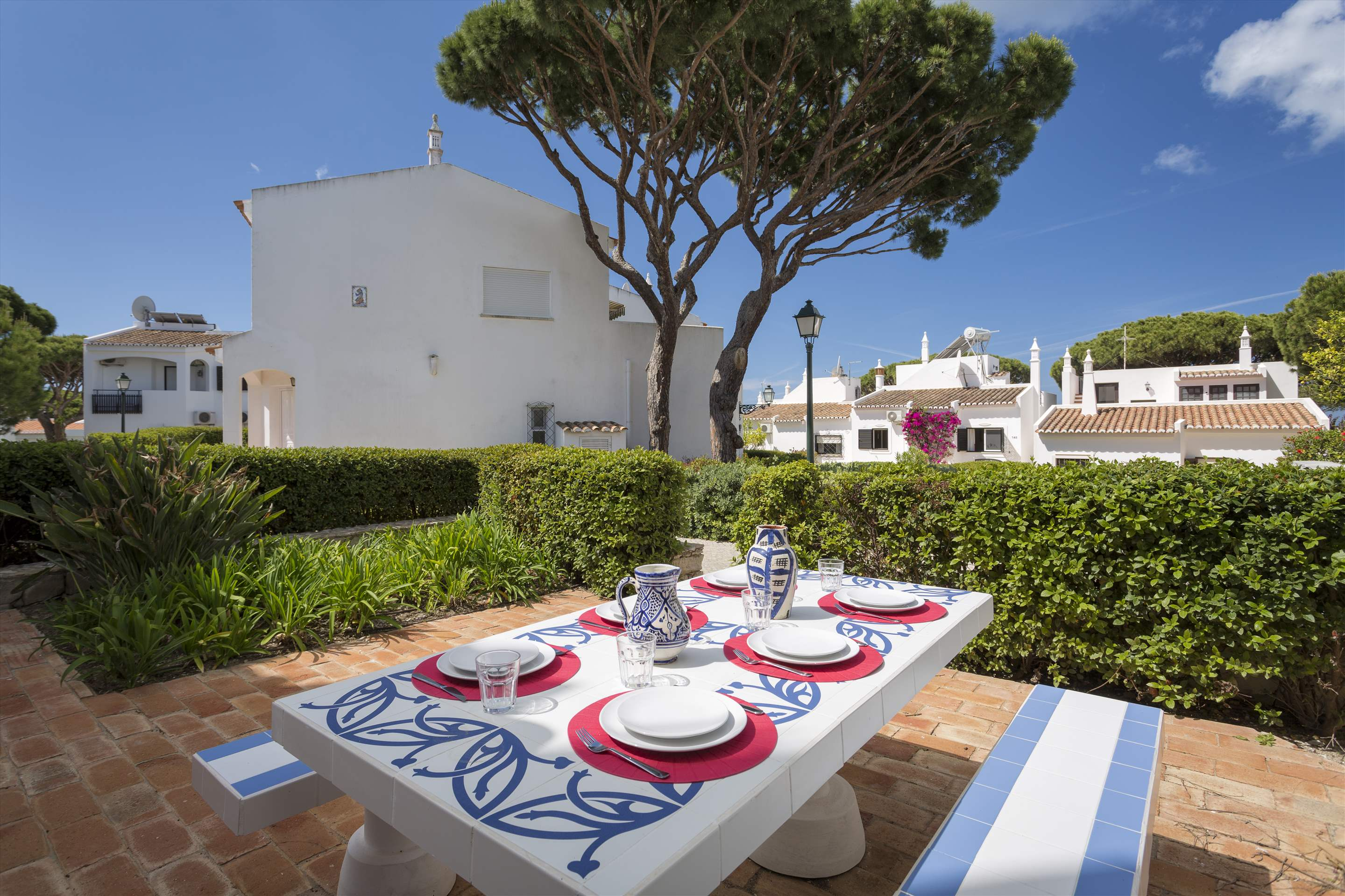 Townhouse Megan, 3 bedroom villa in Vale do Lobo, Algarve Photo #2