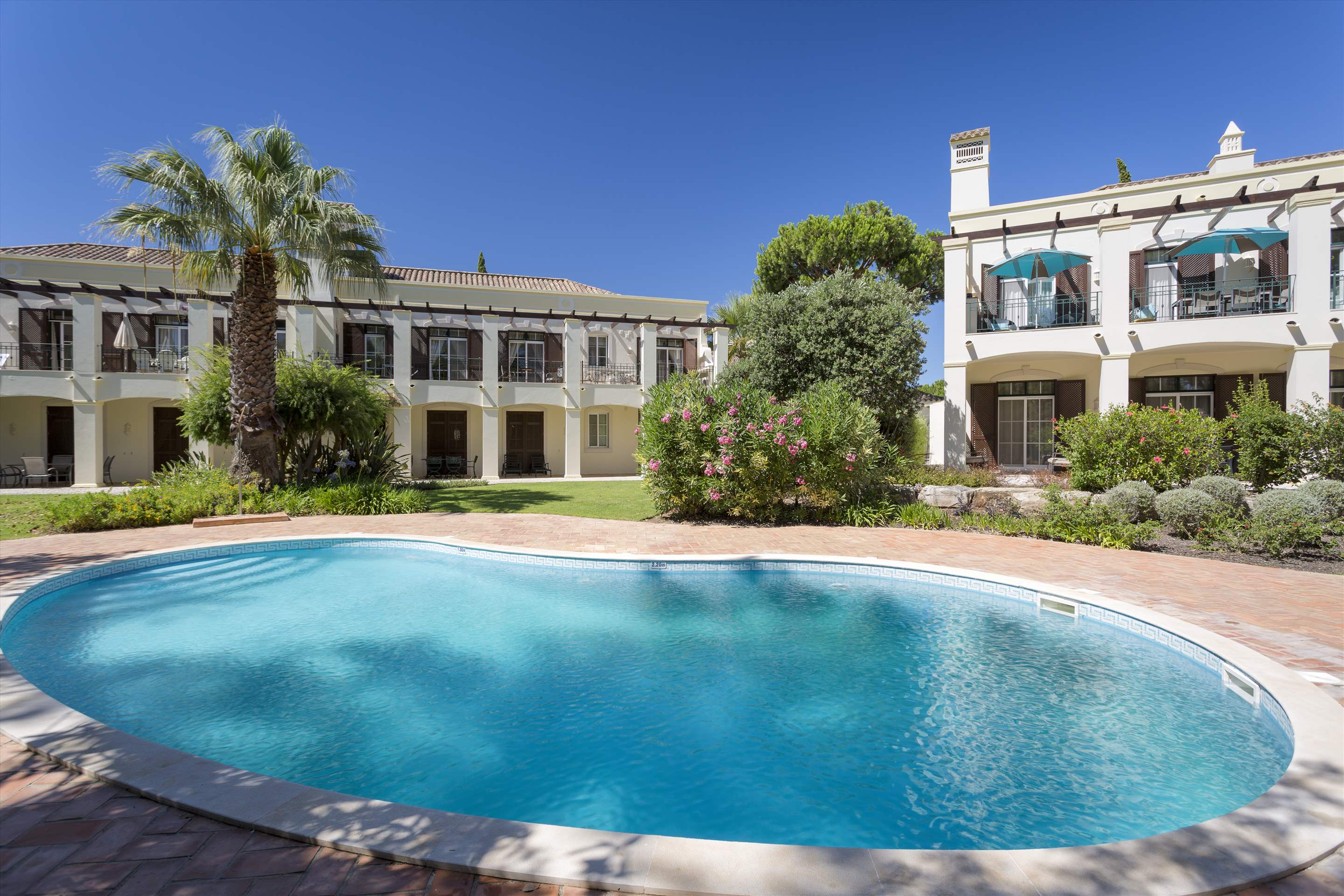 Townhouse Jessica, 3 bedroom villa in Quinta do Lago, Algarve Photo #17