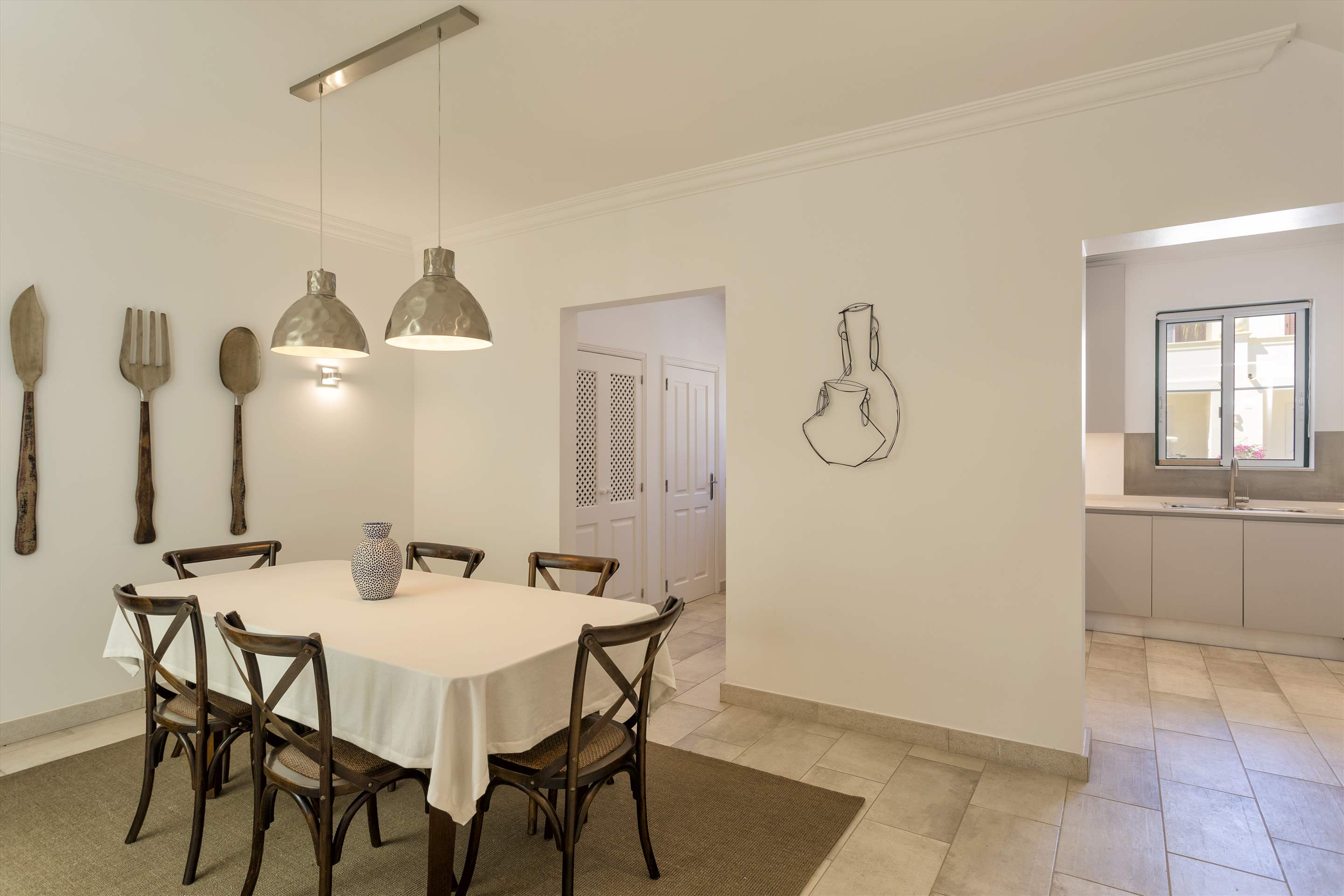 Townhouse Jessica, 3 bedroom villa in Quinta do Lago, Algarve Photo #6