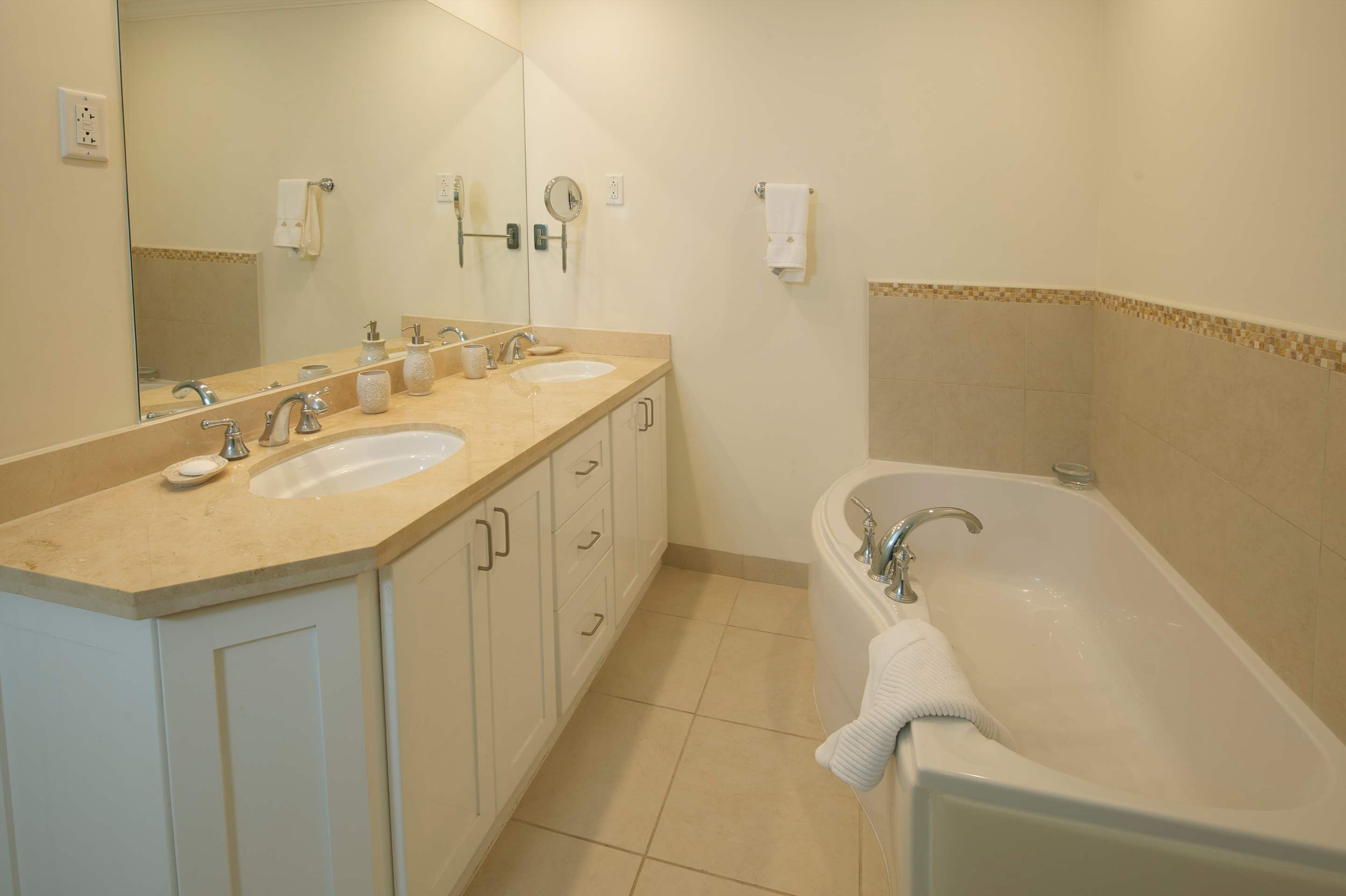 Palm Beach 110, 3 bedroom apartment in St. Lawrence Gap & South Coast, Barbados Photo #10
