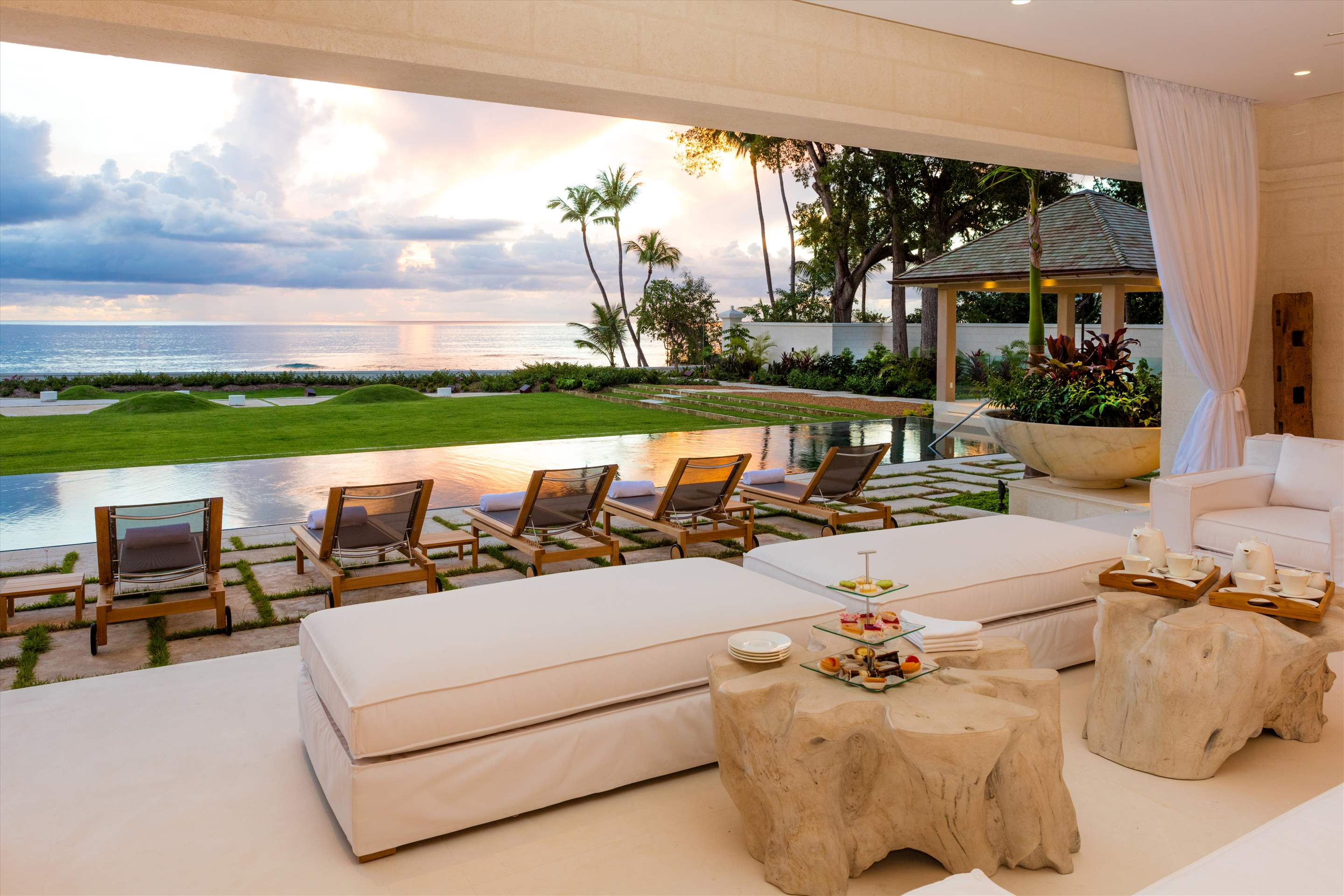 Godings Beach House, 5 bedroom villa in St. James & West Coast, Barbados Photo #14