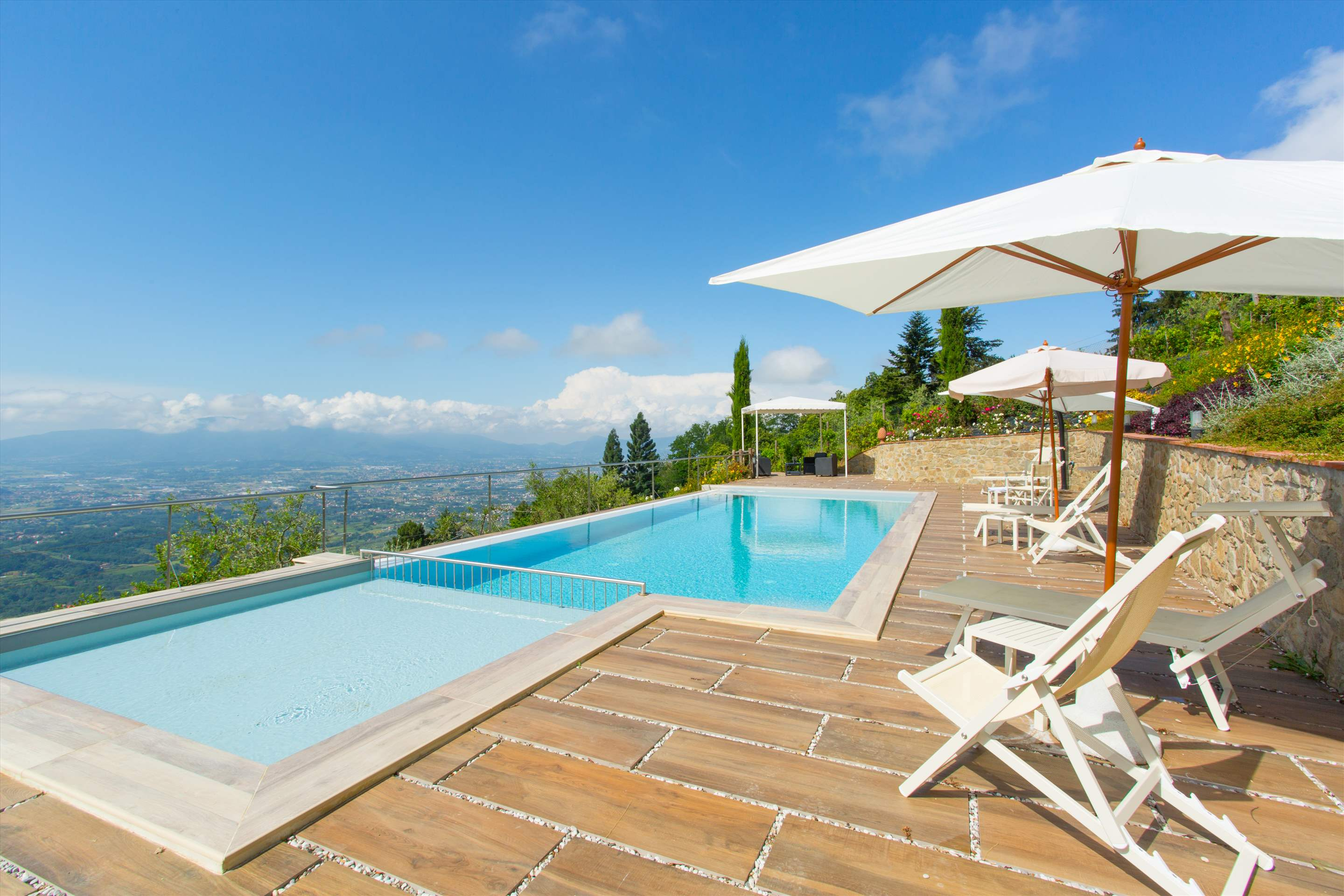 Villa Panorama, 3 bedroom villa in North Tuscany - Pisa & Lucca Area, Tuscany Photo #1