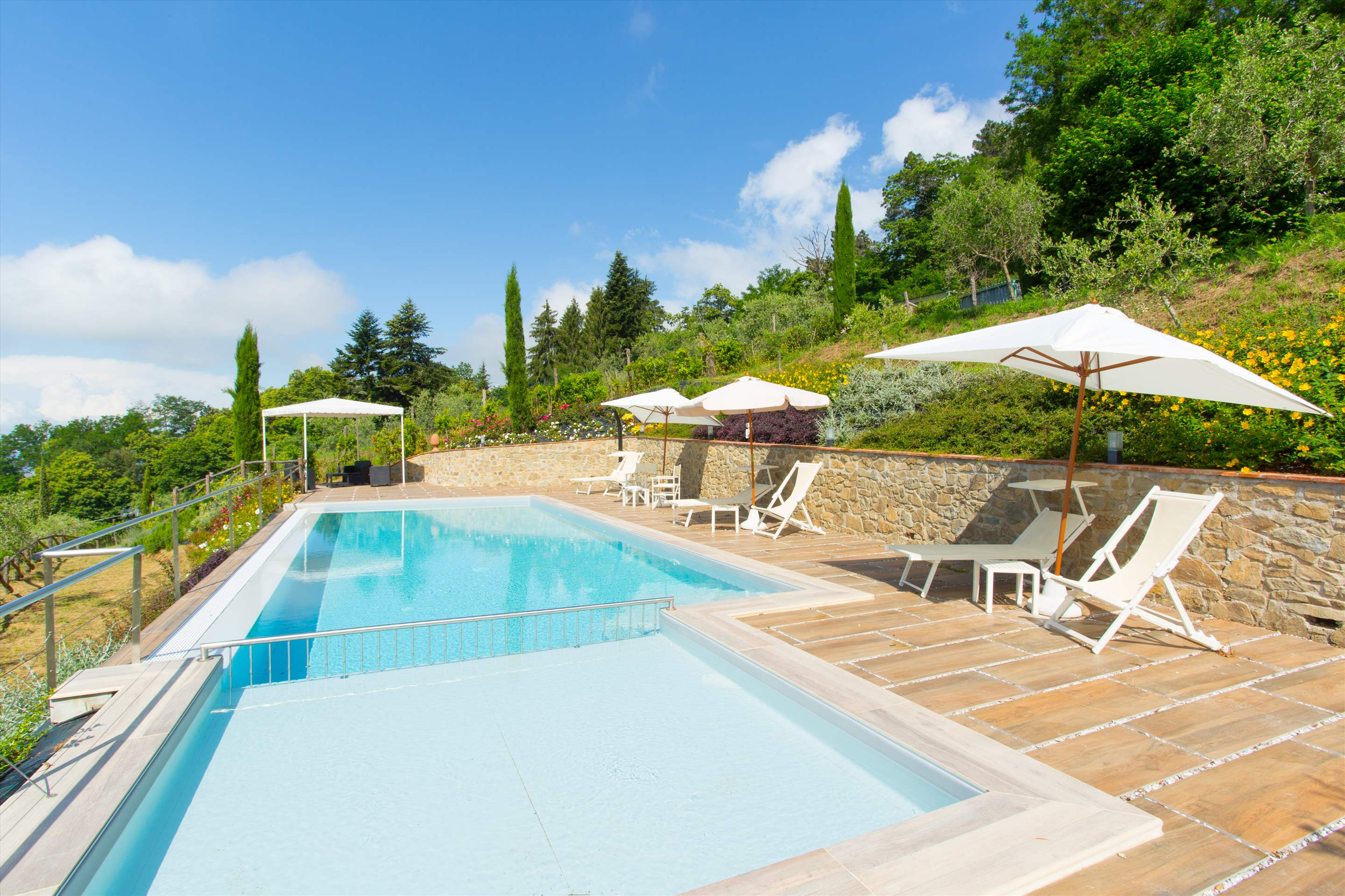 Villa Panorama, 3 bedroom villa in North Tuscany - Pisa & Lucca Area, Tuscany Photo #12