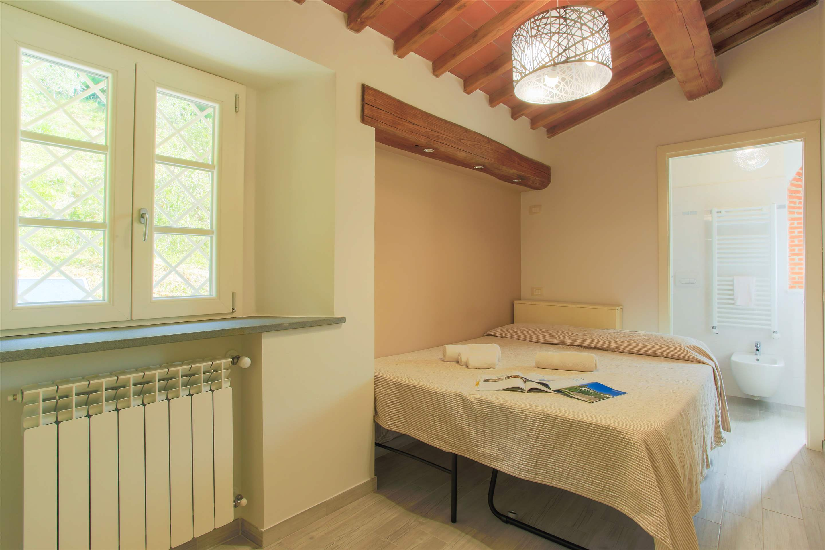 Villa Panorama, 3 bedroom villa in North Tuscany - Pisa & Lucca Area, Tuscany Photo #21