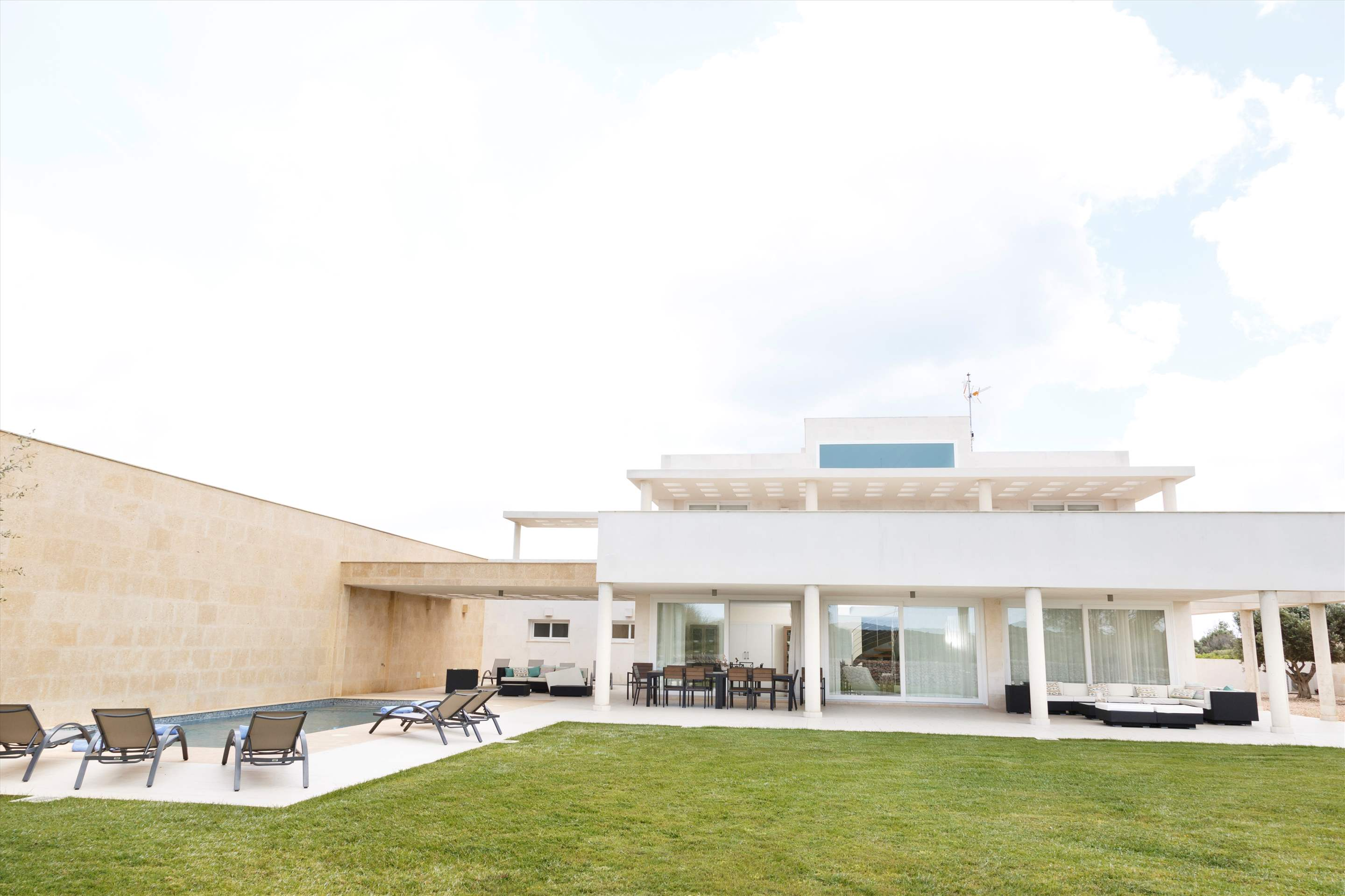 Binibeca Hills , 6 bedroom , 6 bedroom villa in Mahon, San Luis & South East, Menorca Photo #12