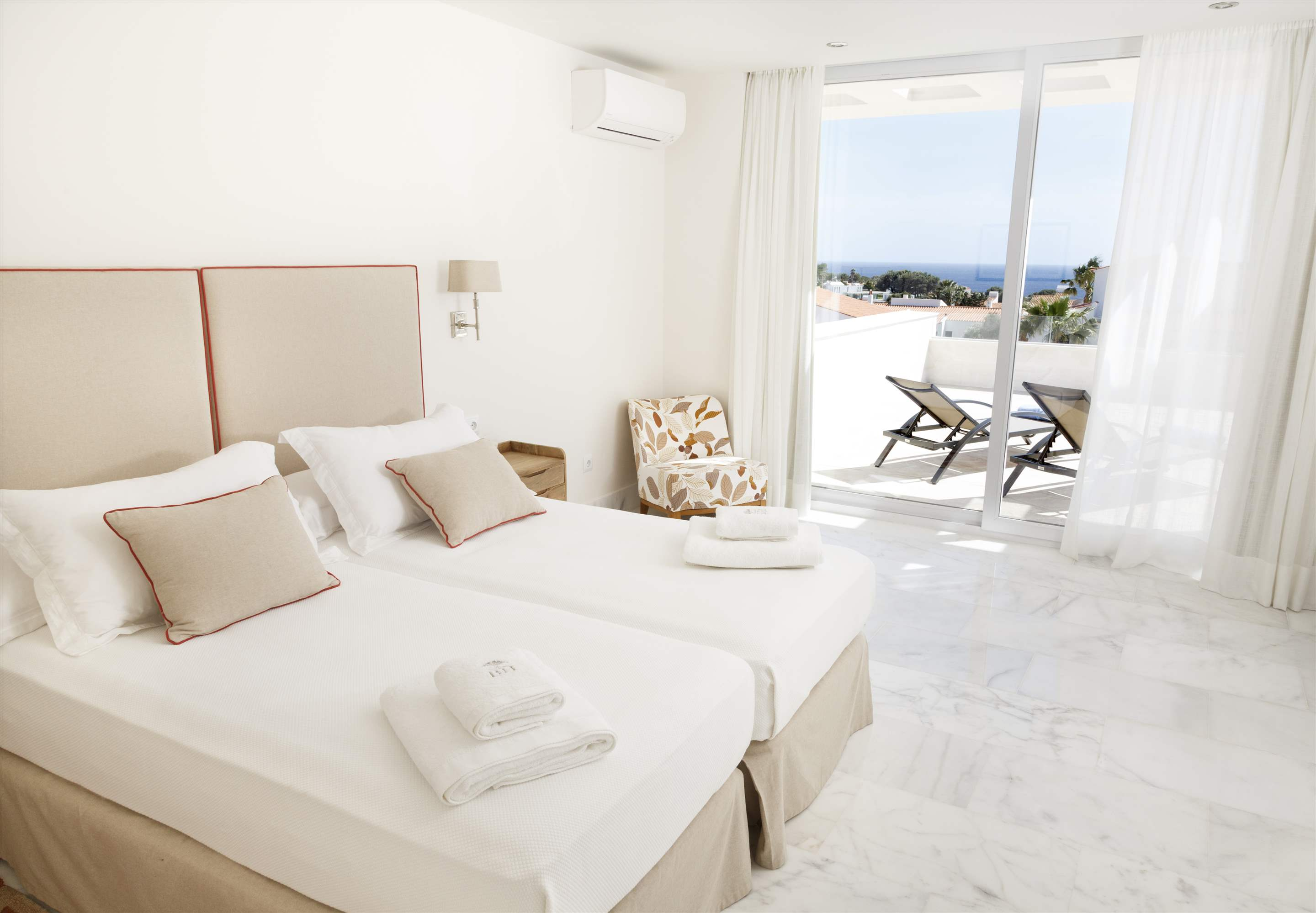 Binibeca Hills , 6 bedroom , 6 bedroom villa in Mahon, San Luis & South East, Menorca Photo #16