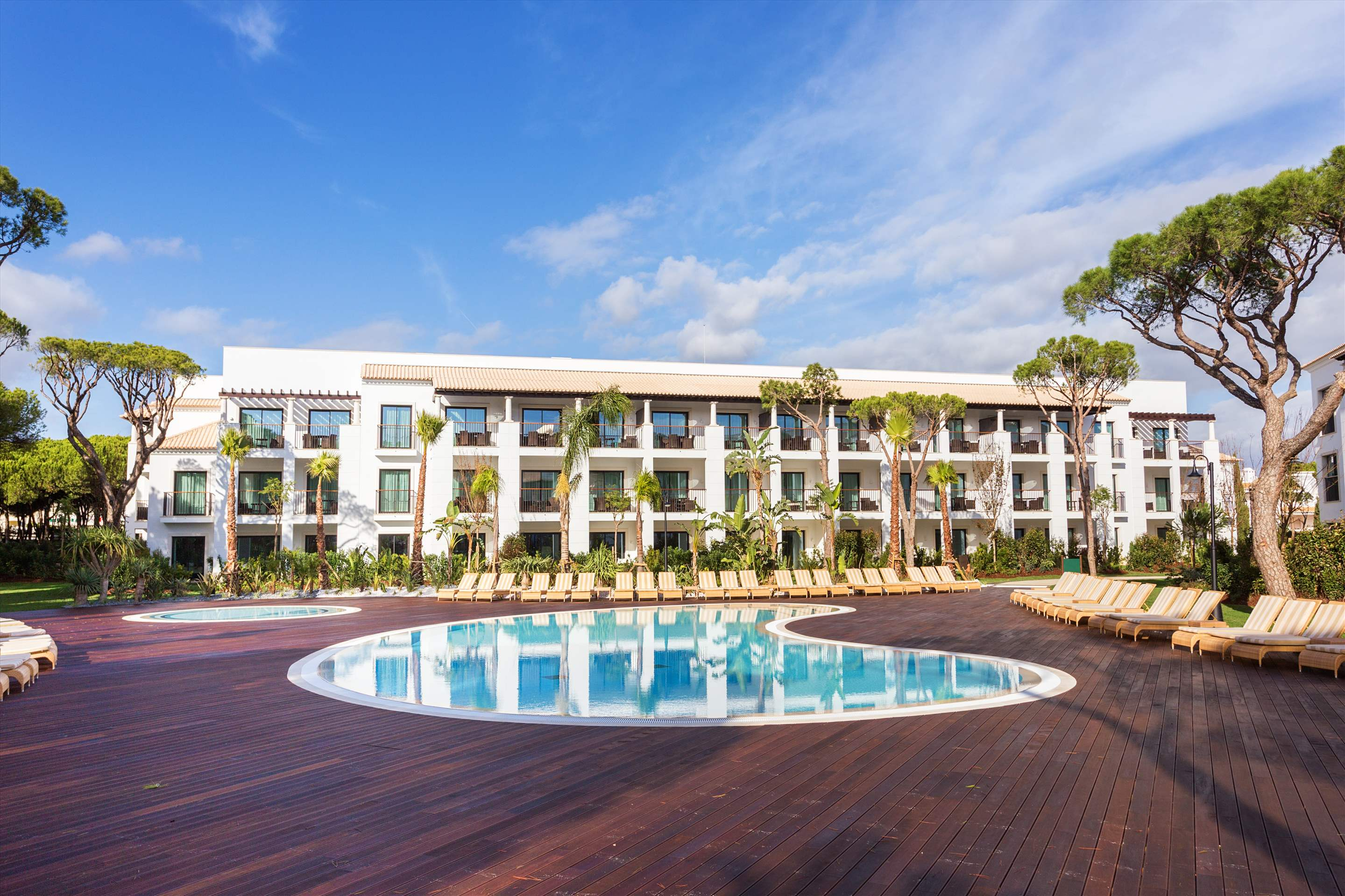 Pine Cliffs Gardens, Two Bedroom Suite, S/C Basis, 2 bedroom apartment in Pine Cliffs Resort, Algarve