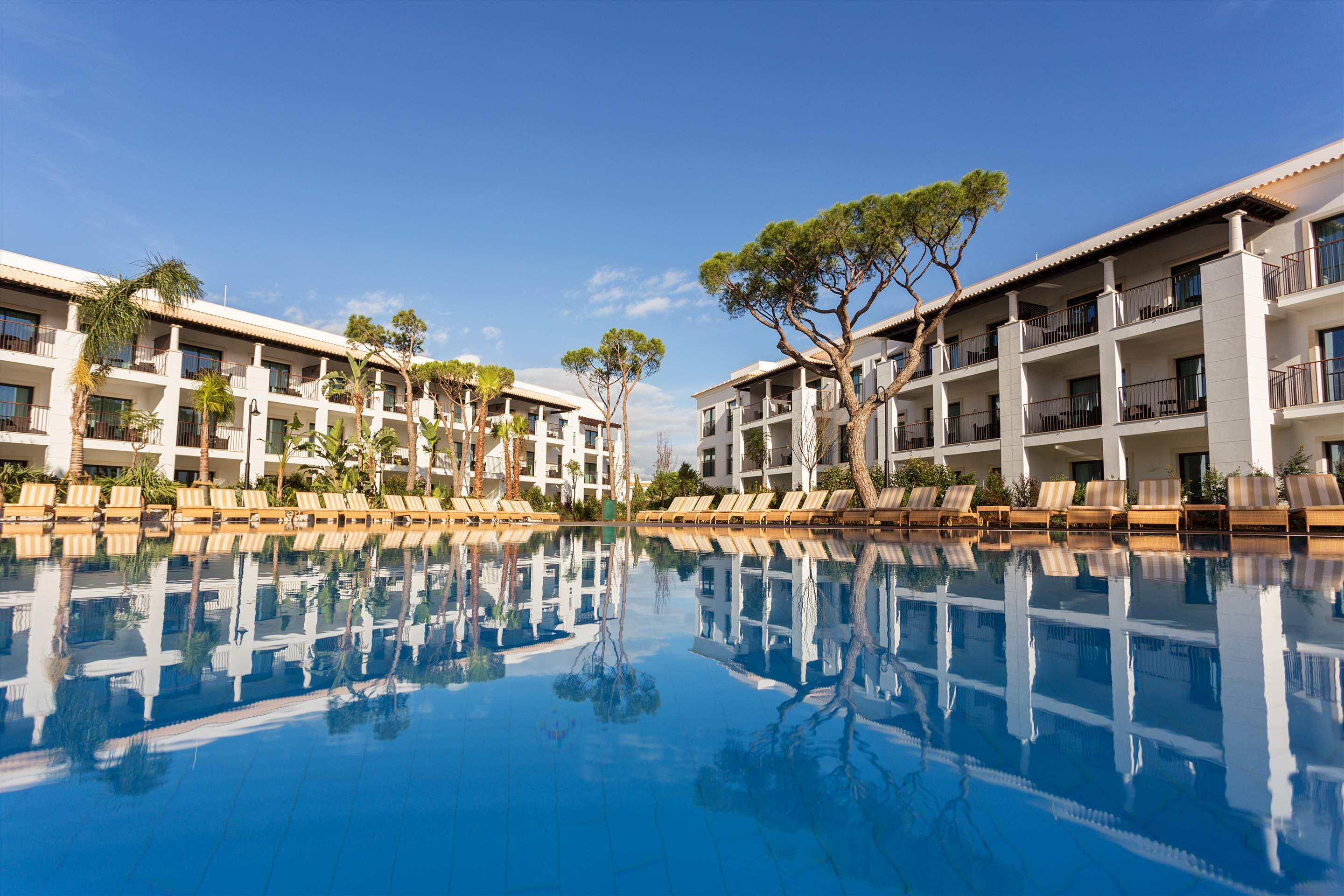 Pine Cliffs Gardens, Two Bedroom Suite, S/C Basis, 2 bedroom apartment in Pine Cliffs Resort, Algarve Photo #8