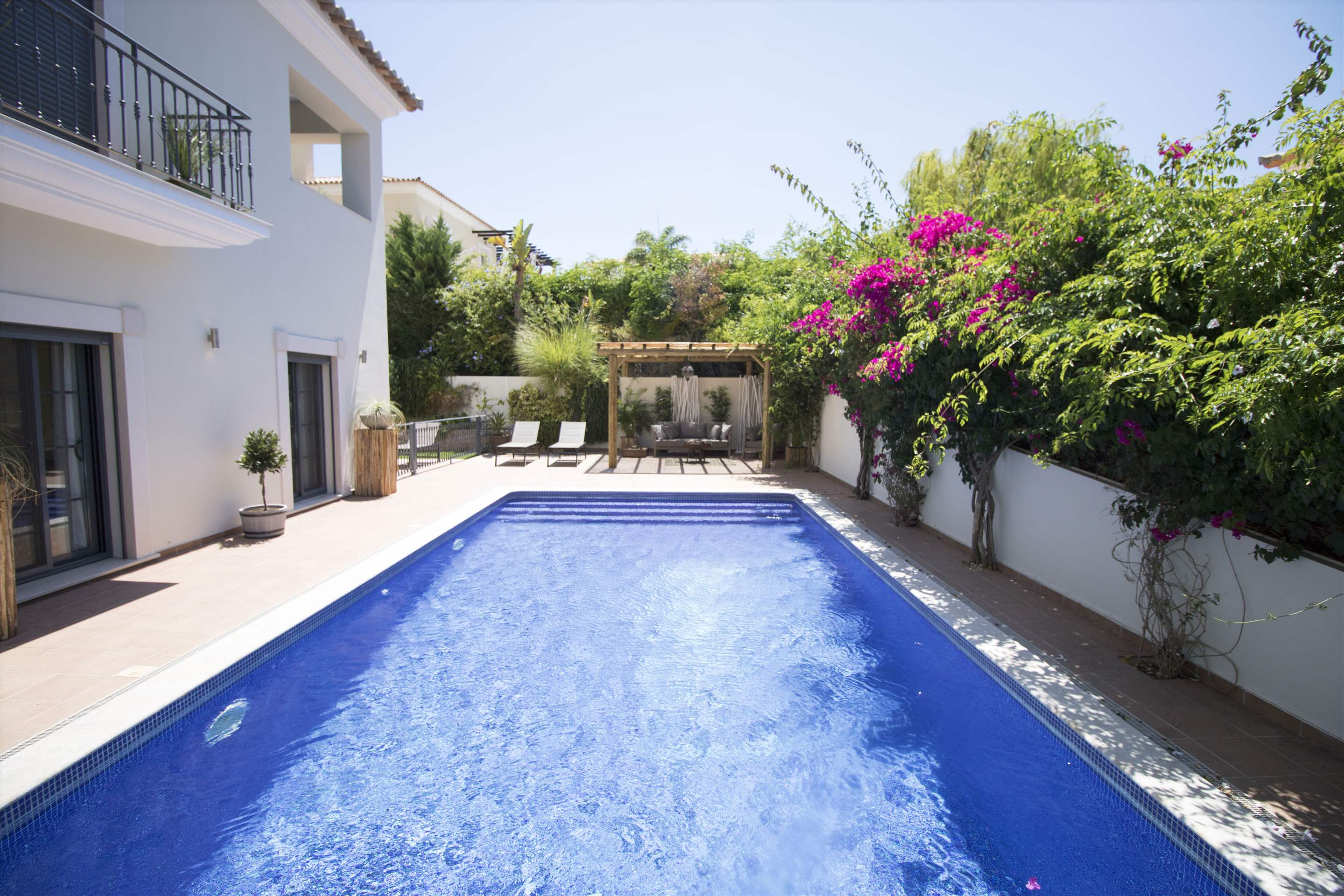 Villa Meryl, 5 bedroom villa in Vale do Lobo, Algarve