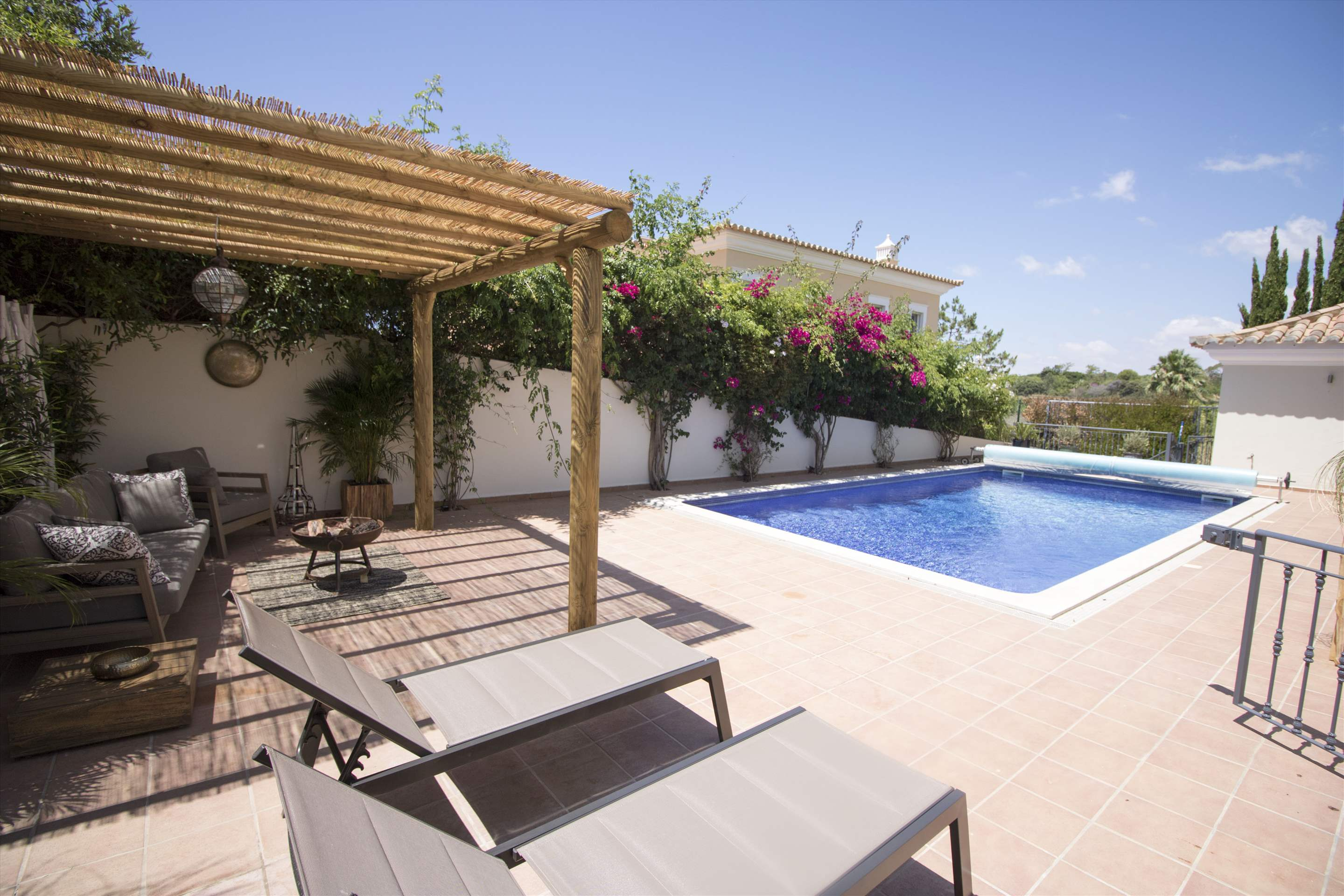 Villa Meryl, 5 bedroom villa in Vale do Lobo, Algarve Photo #3