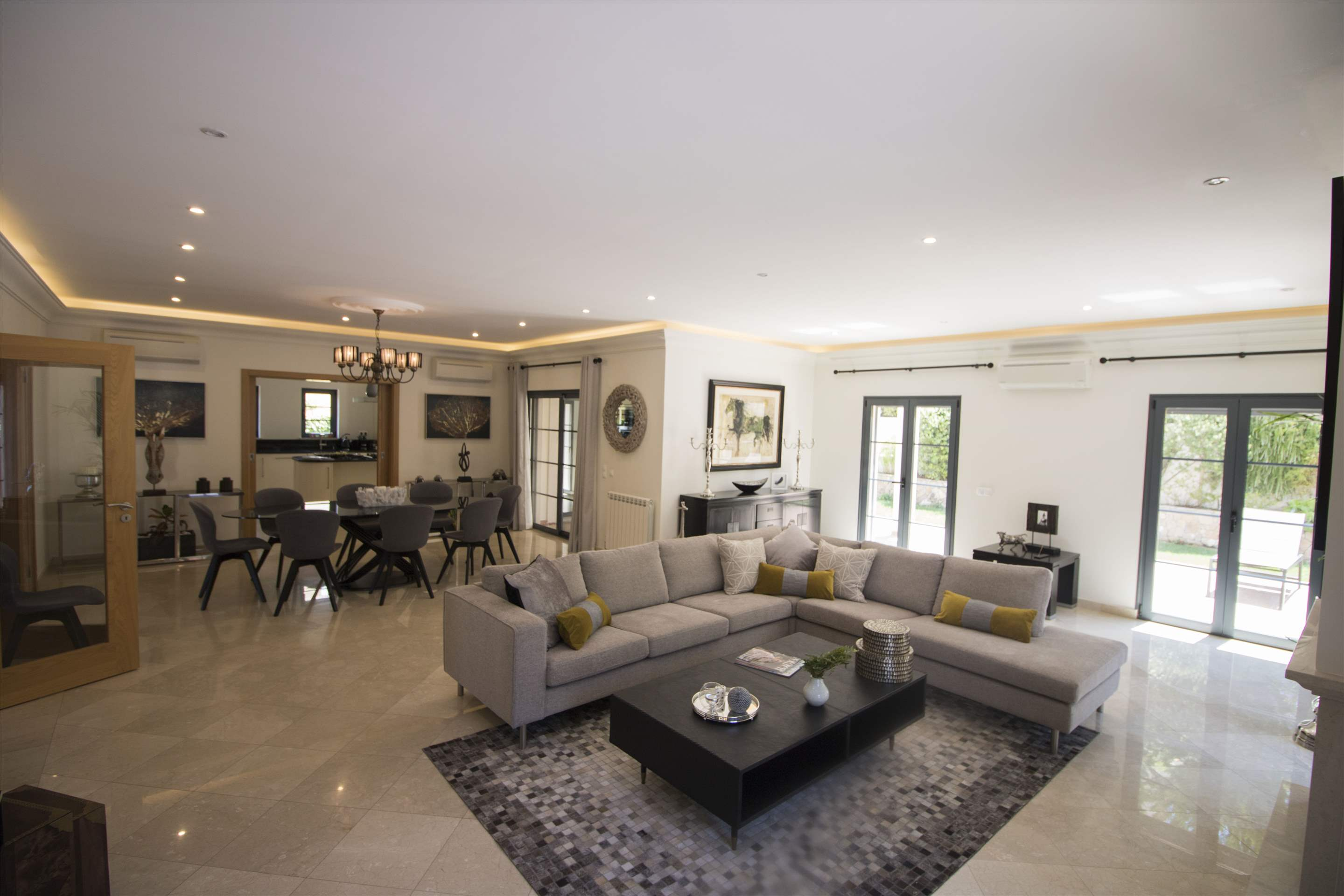 Villa Meryl, 5 bedroom villa in Vale do Lobo, Algarve Photo #7