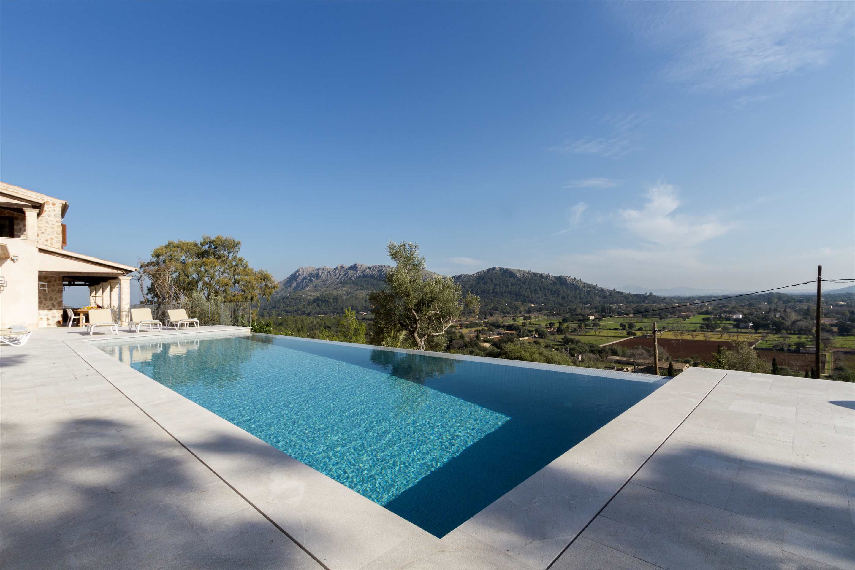 Villa La Font , 5 bedroom villa in Pollensa & Puerto Pollensa , Majorca Photo #16