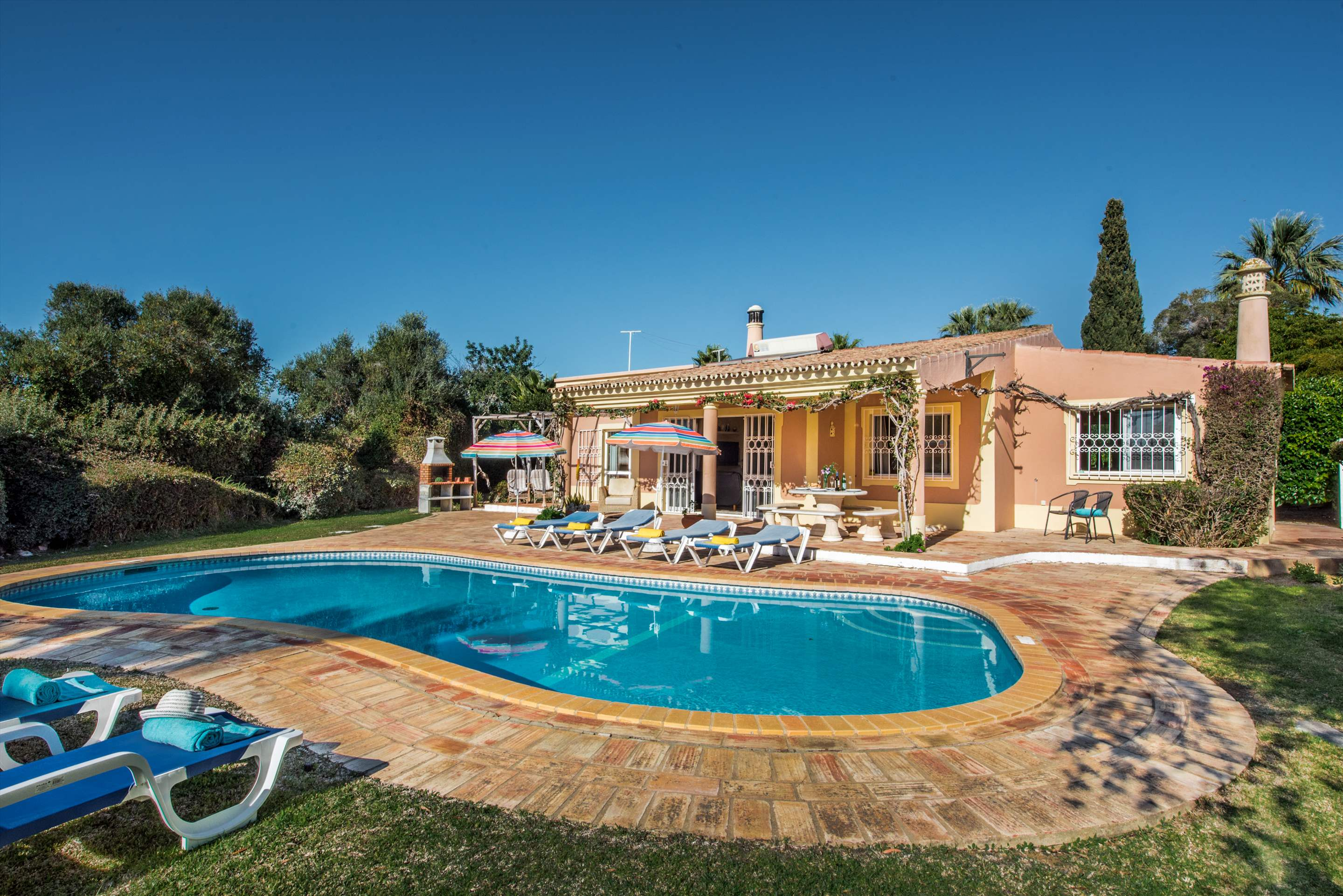 Villa Moinho, 3 bedroom villa in Gale, Vale da Parra and Guia, Algarve