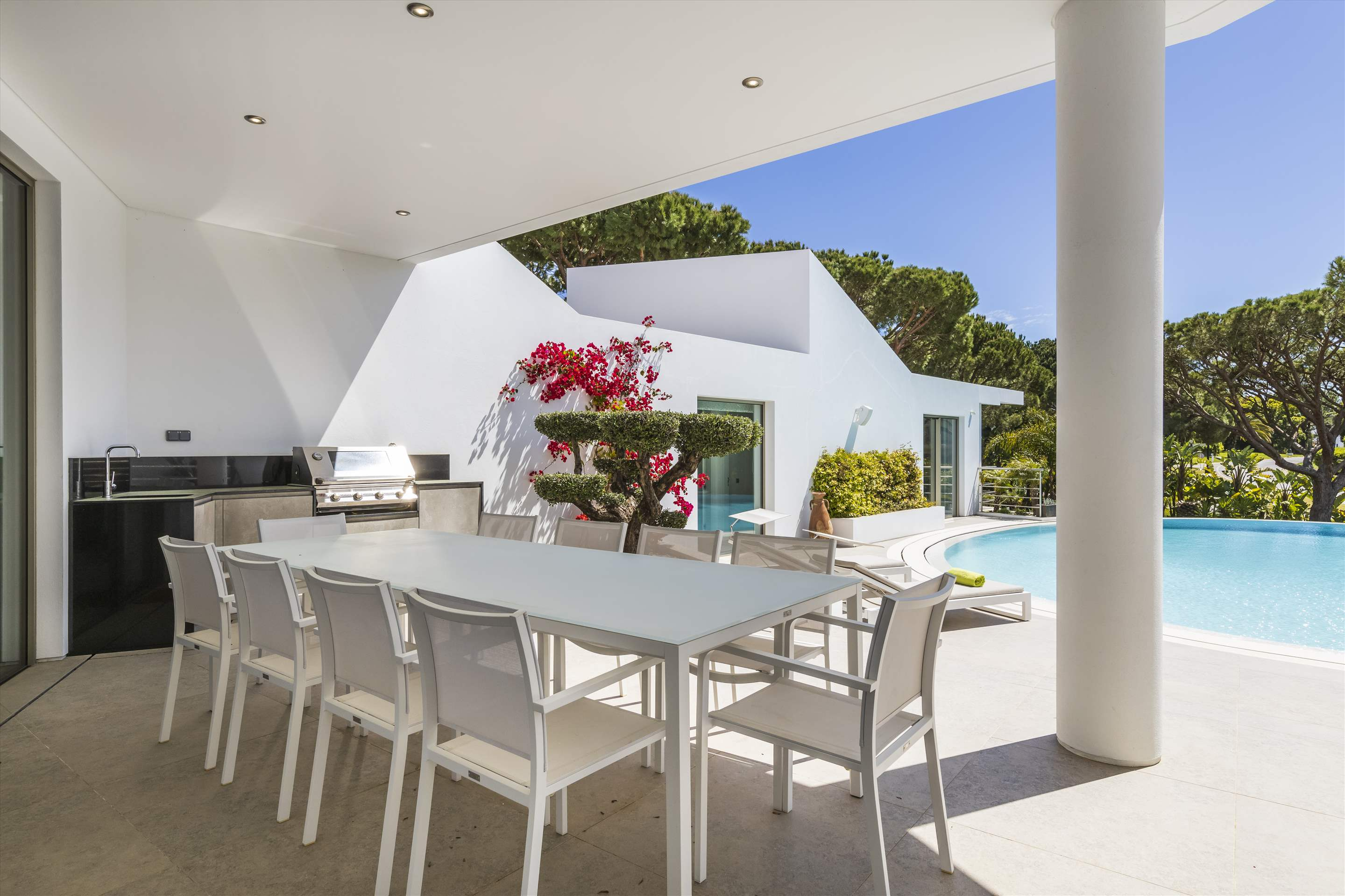 Villa Palm, 6 bedroom villa in Quinta do Lago, Algarve Photo #3