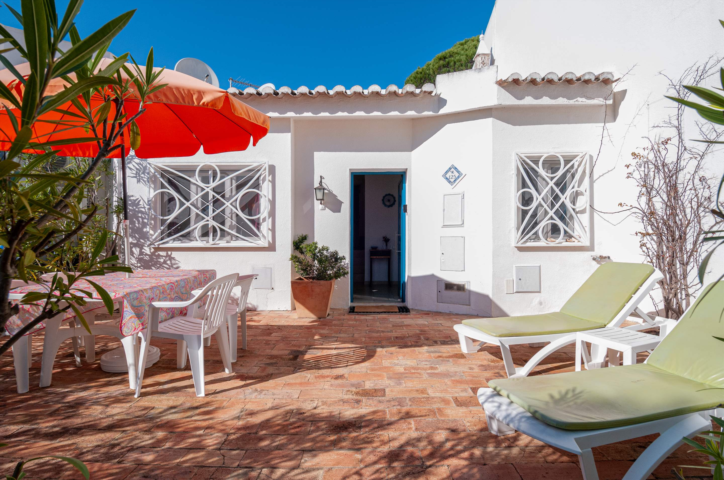 Villa Townhouse 2 Bedroom, 2 bedroom villa in Vale do Lobo, Algarve Photo #1
