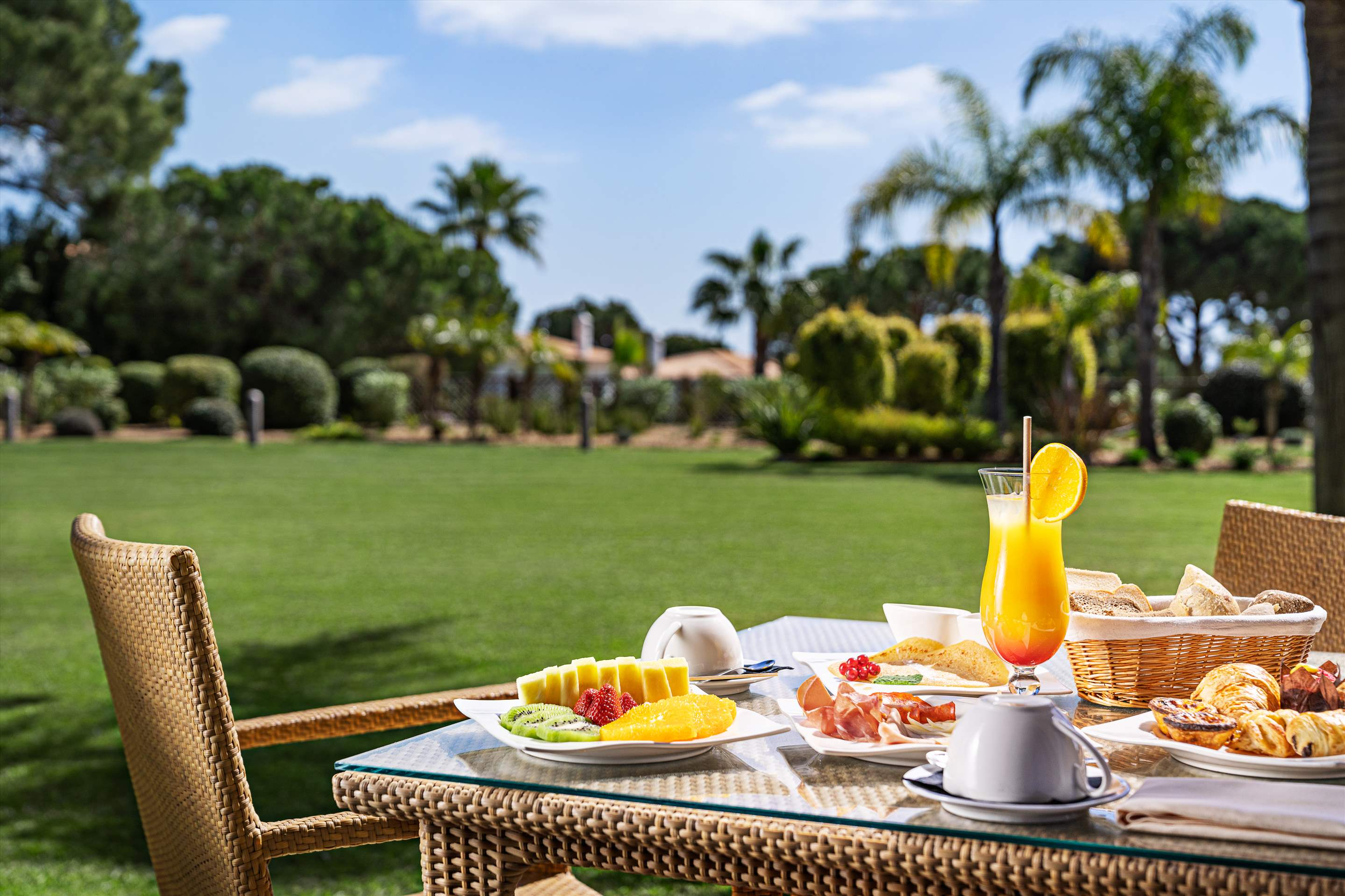 Wyndham Grand Algarve 1 Bedroom, Deluxe Suite, Pool Side ,Room Only , 1 bedroom apartment in Wyndham Grand Algarve, Algarve Photo #26