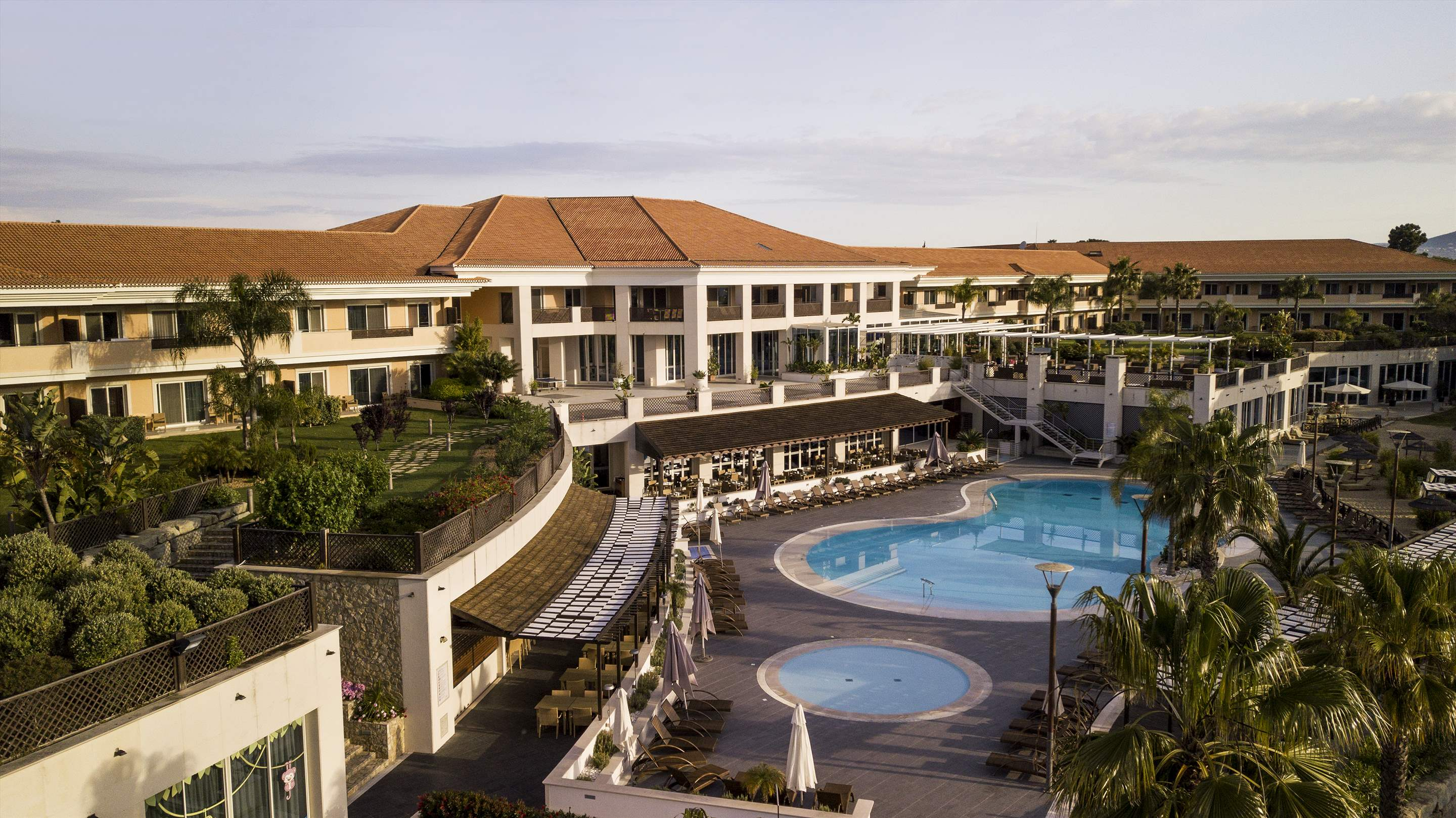 Wyndham Grand Algarve 1 Bedroom, Deluxe Suite, Pool Side ,Room Only , 1 bedroom apartment in Wyndham Grand Algarve, Algarve Photo #28
