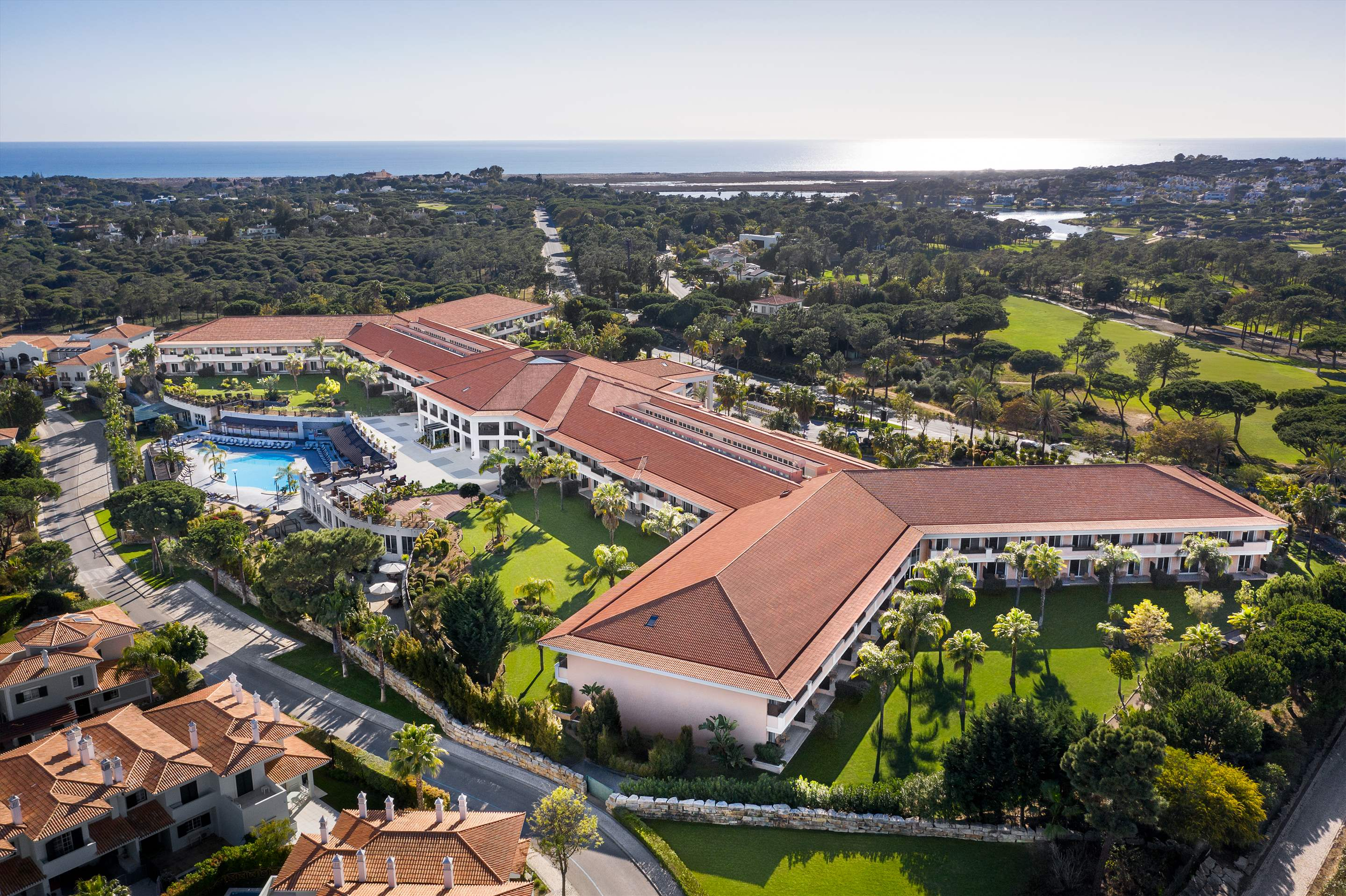 Wyndham Grand Algarve 1 Bedroom, Deluxe Suite, Pool Side ,Room Only , 1 bedroom apartment in Wyndham Grand Algarve, Algarve Photo #29