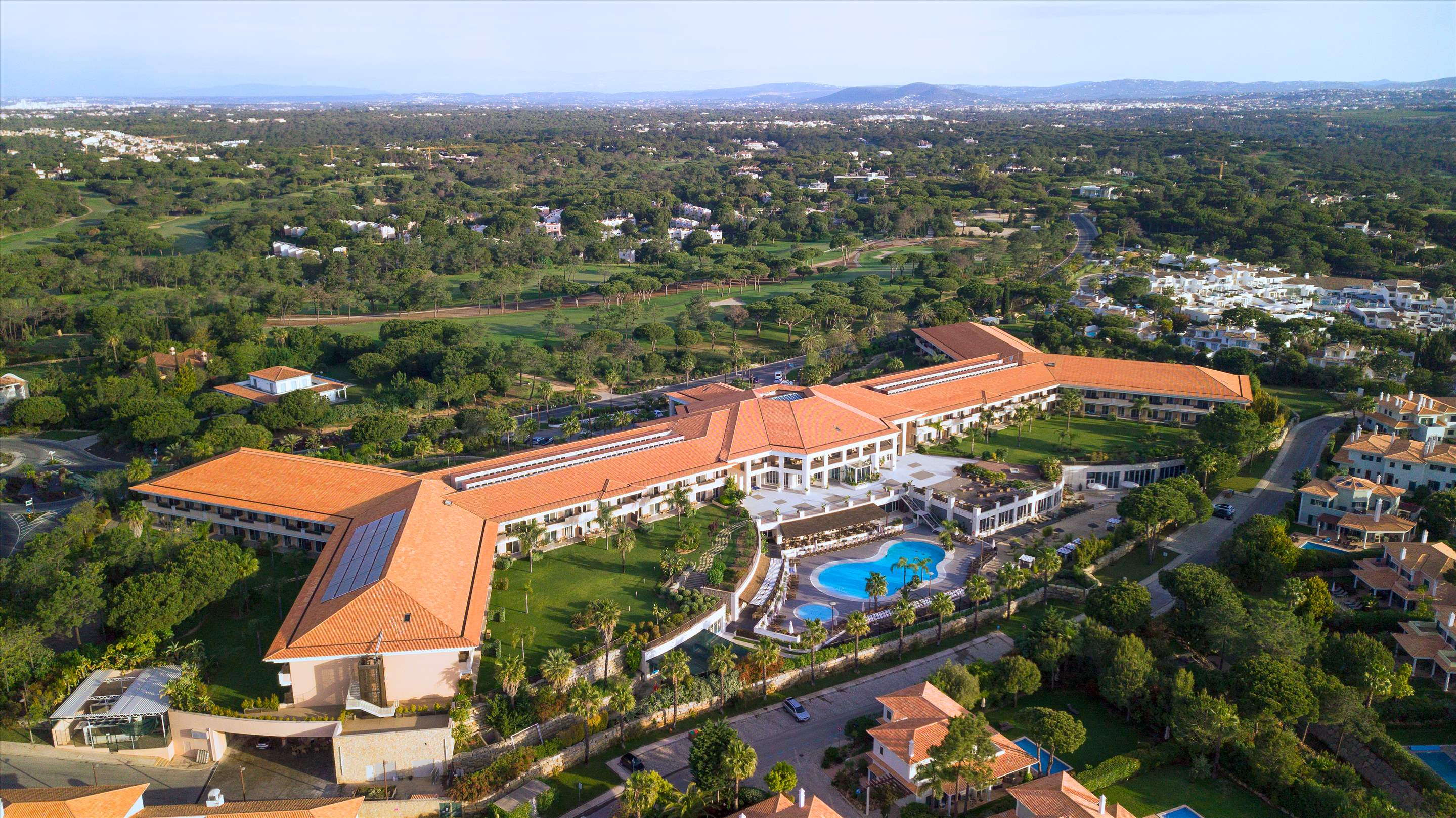 Wyndham Grand Algarve 1 Bedroom, Deluxe Suite, Pool Side ,Room Only , 1 bedroom apartment in Wyndham Grand Algarve, Algarve Photo #30
